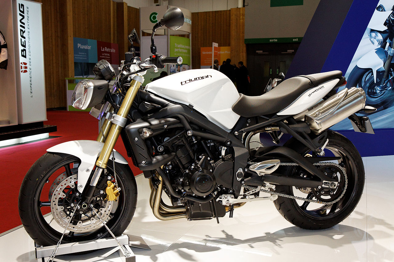 2011 triumph street triple pics specs and information. Black Bedroom Furniture Sets. Home Design Ideas