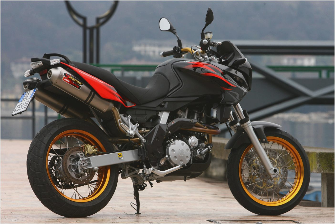 2010 aprilia pegaso 650 strada pics specs and. Black Bedroom Furniture Sets. Home Design Ideas