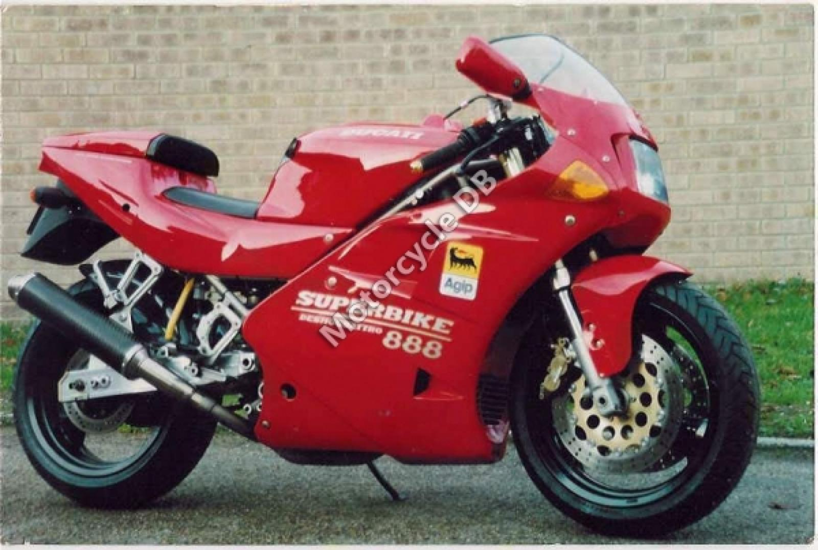 Ducati 888 Strada 1993 wallpapers #10828