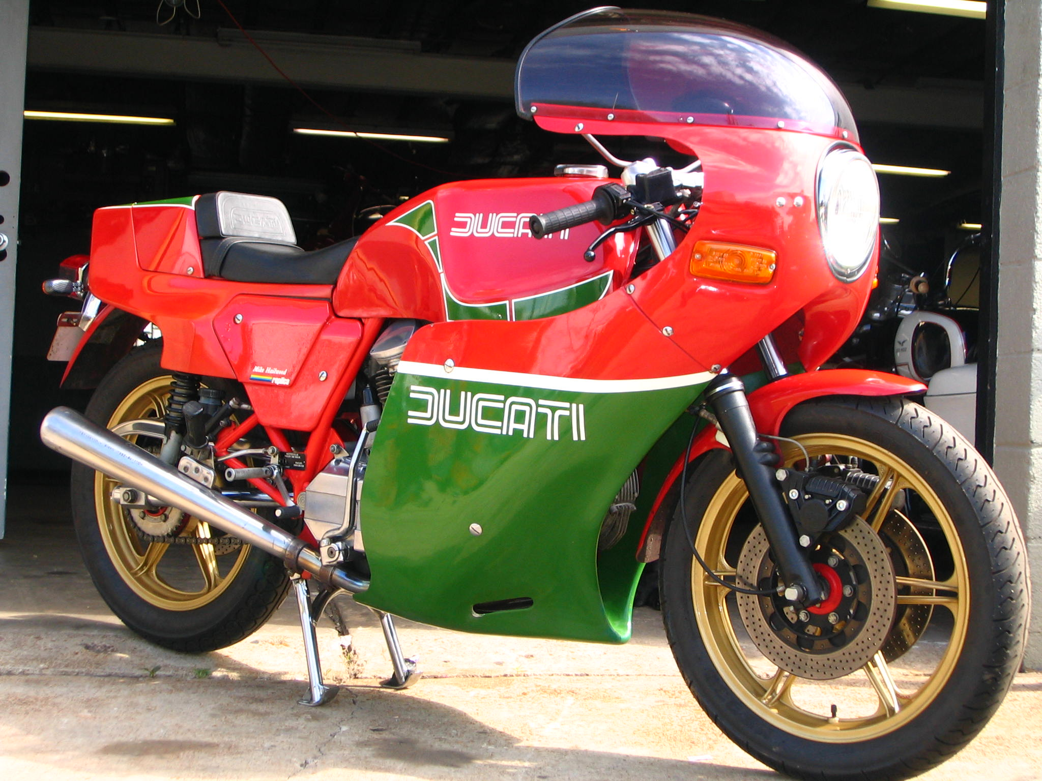 Ducati 900 SS 1983 wallpapers #10528