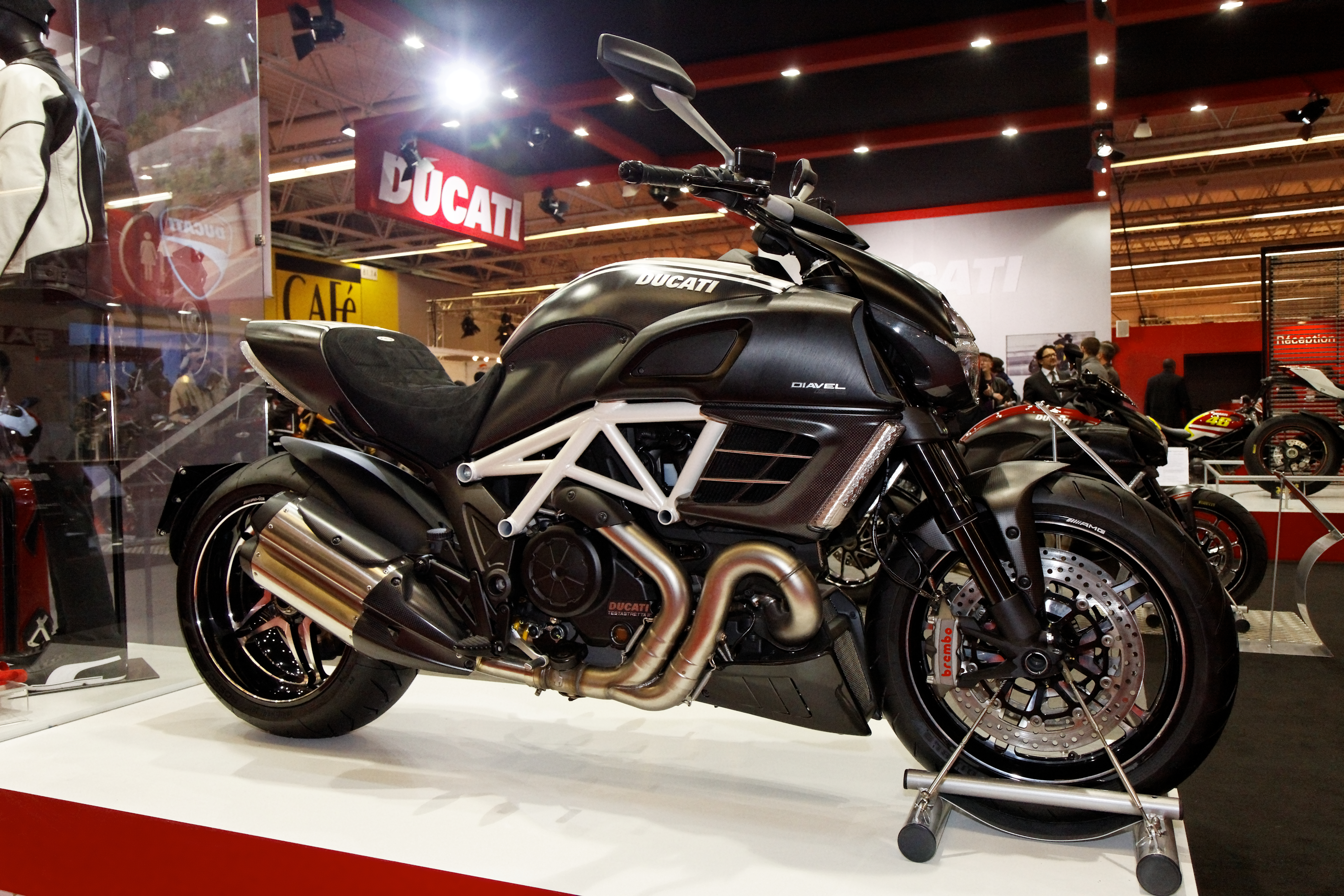 Ducati Diavel 2011 wallpapers #12616