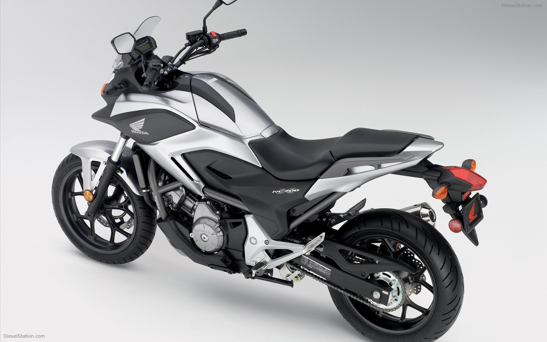 2012 honda nc700x pics specs and information. Black Bedroom Furniture Sets. Home Design Ideas