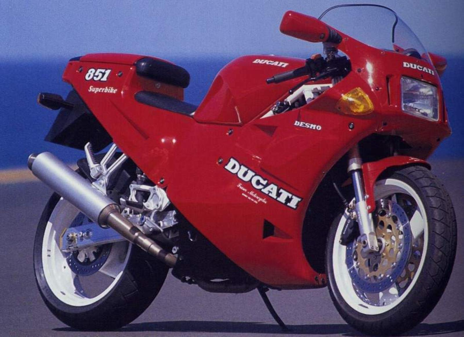 Ducati 851 Strada 1990 wallpapers #10629