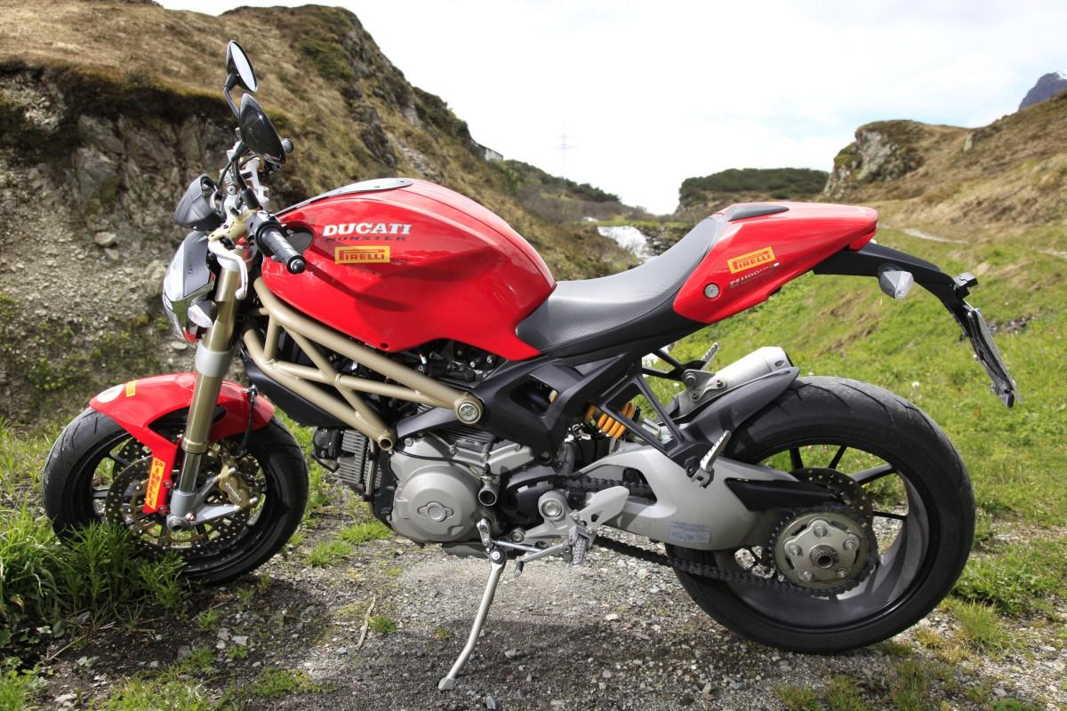 Ducati Monster 1100 EVO 20th Anniversary wallpapers #19171