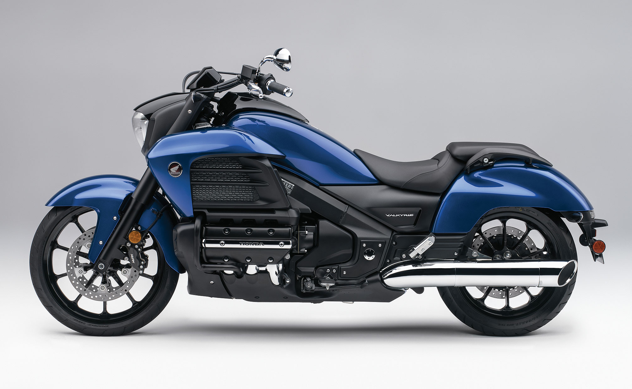 2014 Honda Valkyrie >> Honda GL 1800 Gold Wing Valkyrie: pics, specs and list of seriess by year - onlymotorbikes.com