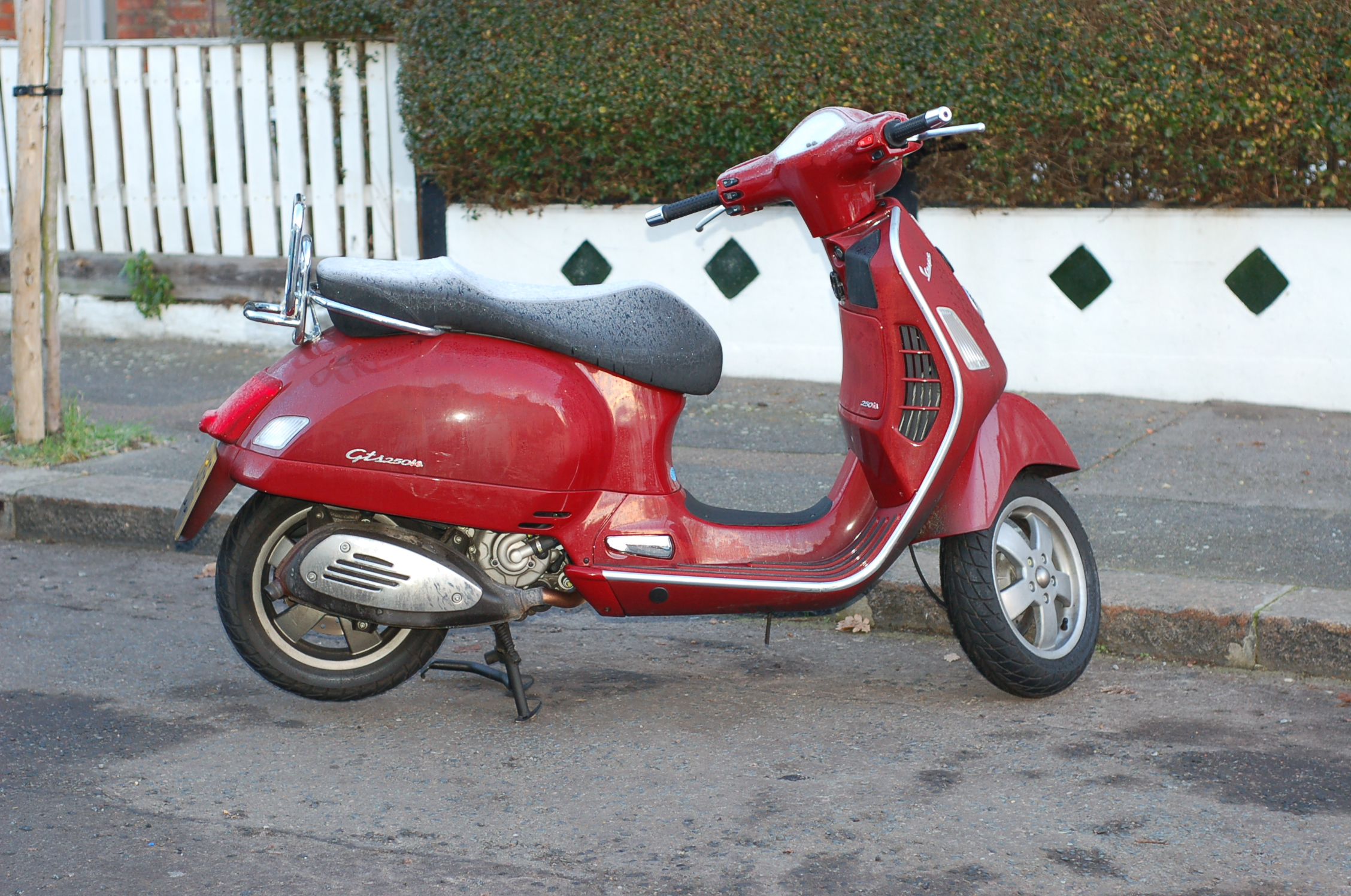 Vespa GTS 250 2008 wallpapers #132249