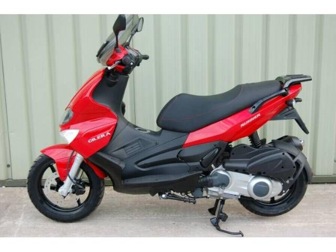 Gilera Runner St 200 Pics Specs And List Of Seriess By