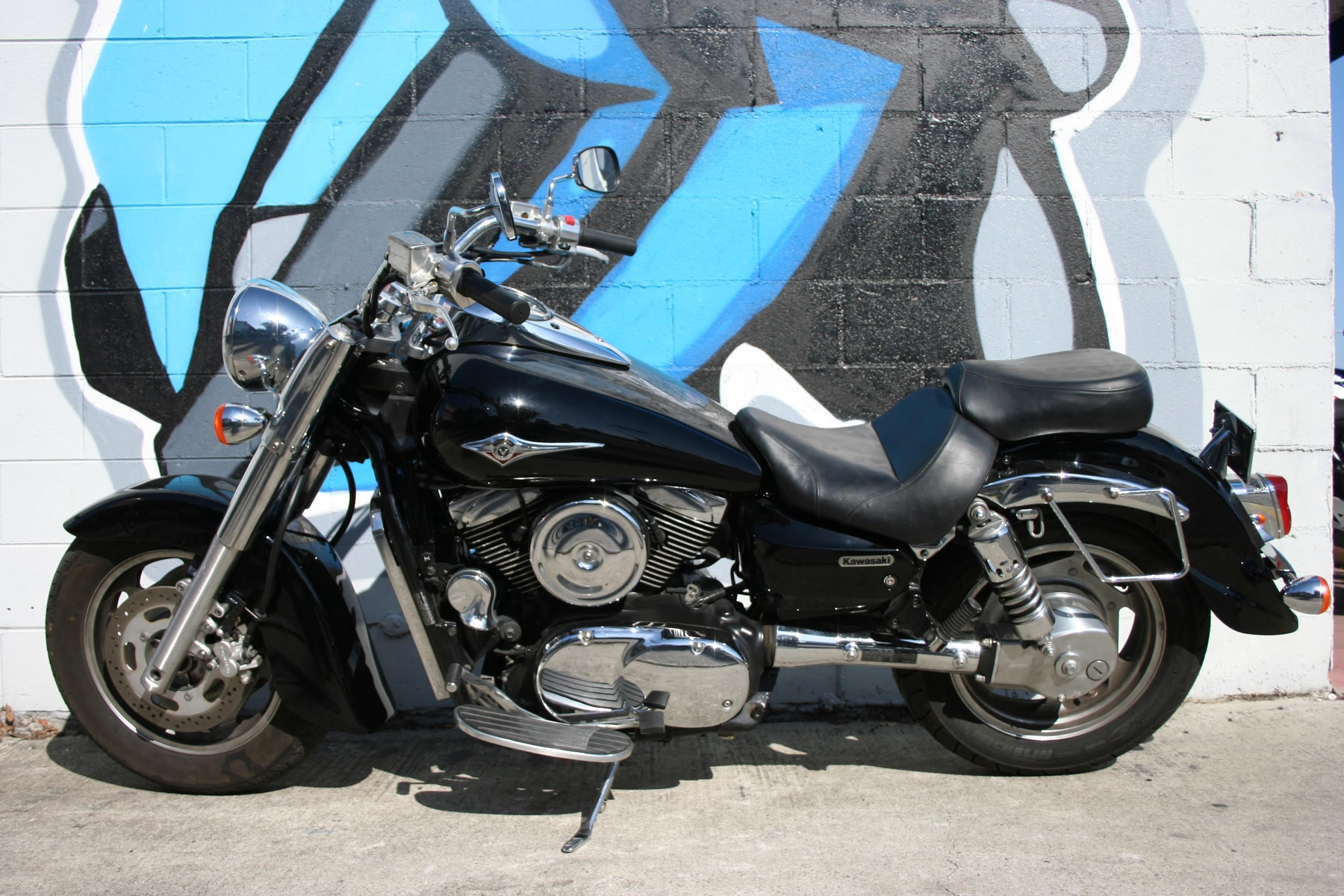 2005 kawasaki vn 1600 classic pics specs and information. Black Bedroom Furniture Sets. Home Design Ideas
