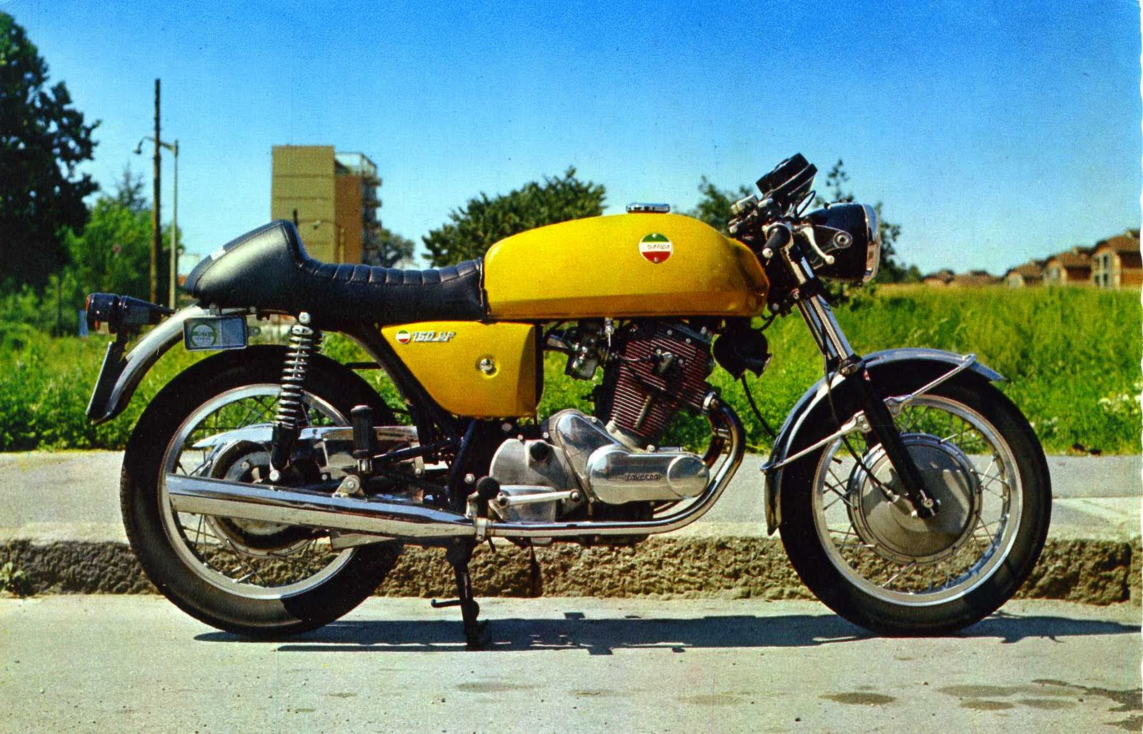 Laverda 750 Sf Pics Specs And List Of Seriess By Year