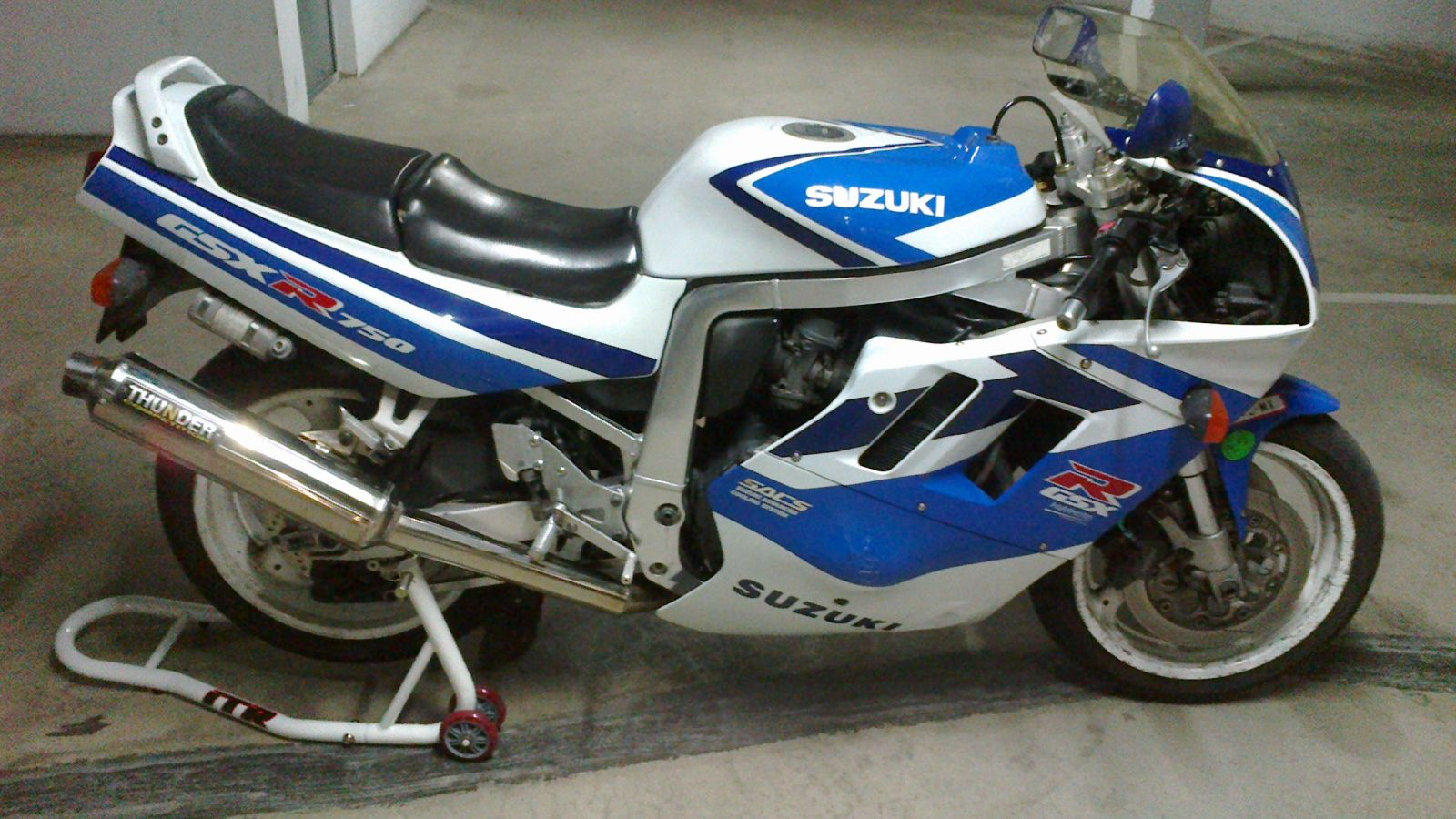 1991 suzuki gsx r 750 pics specs and information. Black Bedroom Furniture Sets. Home Design Ideas