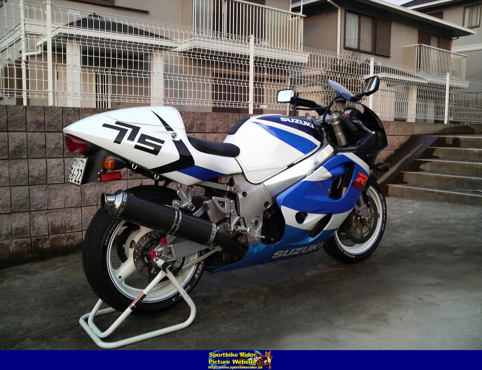 1999 suzuki gsx r 750 pics specs and information. Black Bedroom Furniture Sets. Home Design Ideas