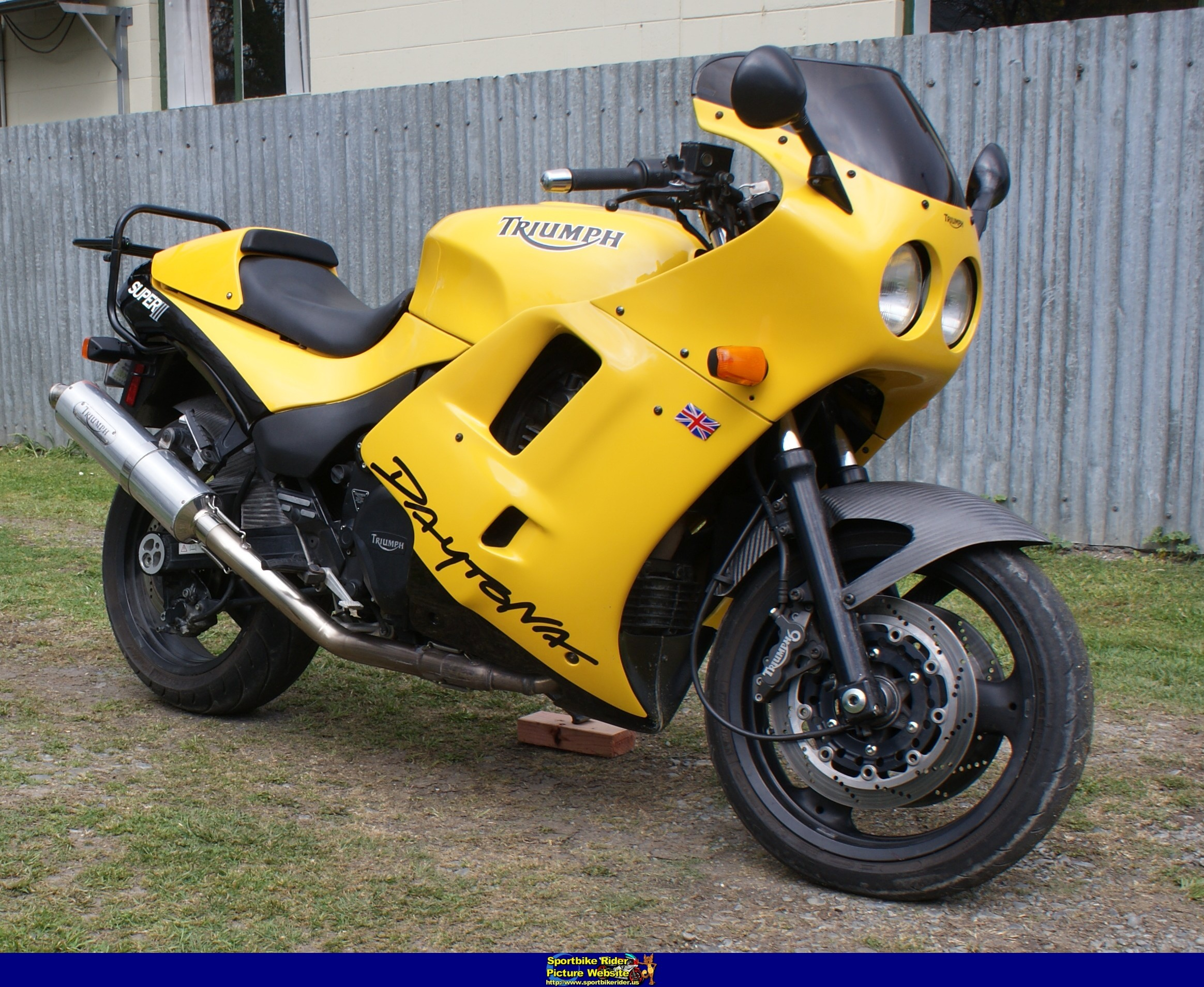 Triumph Daytona Super III 1994 wallpapers #130462