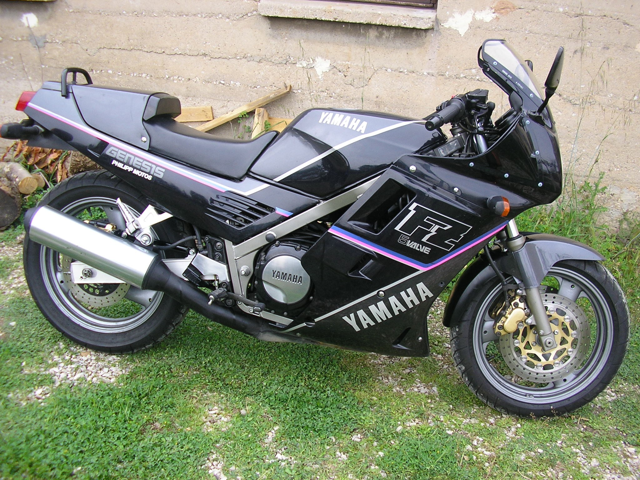 Yamaha Fz 750 Genesis Pics Specs And List Of Seriess By