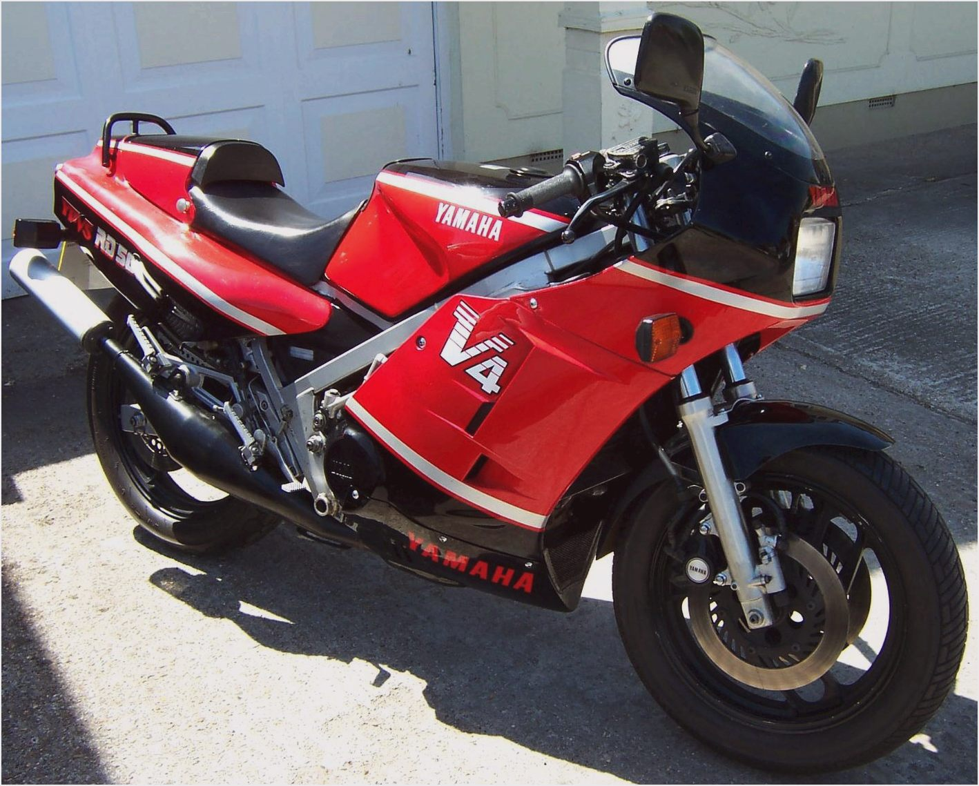 Yamaha RD 500 LC 1985 images #90052