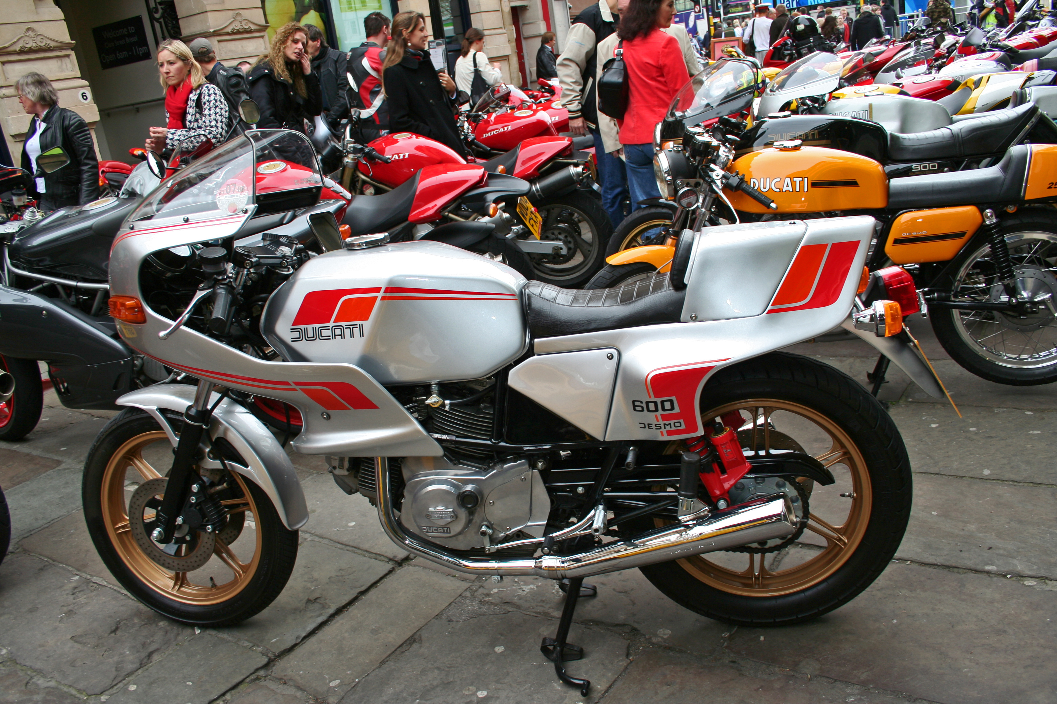 Ducati 900 S 2 1983 wallpapers #10431