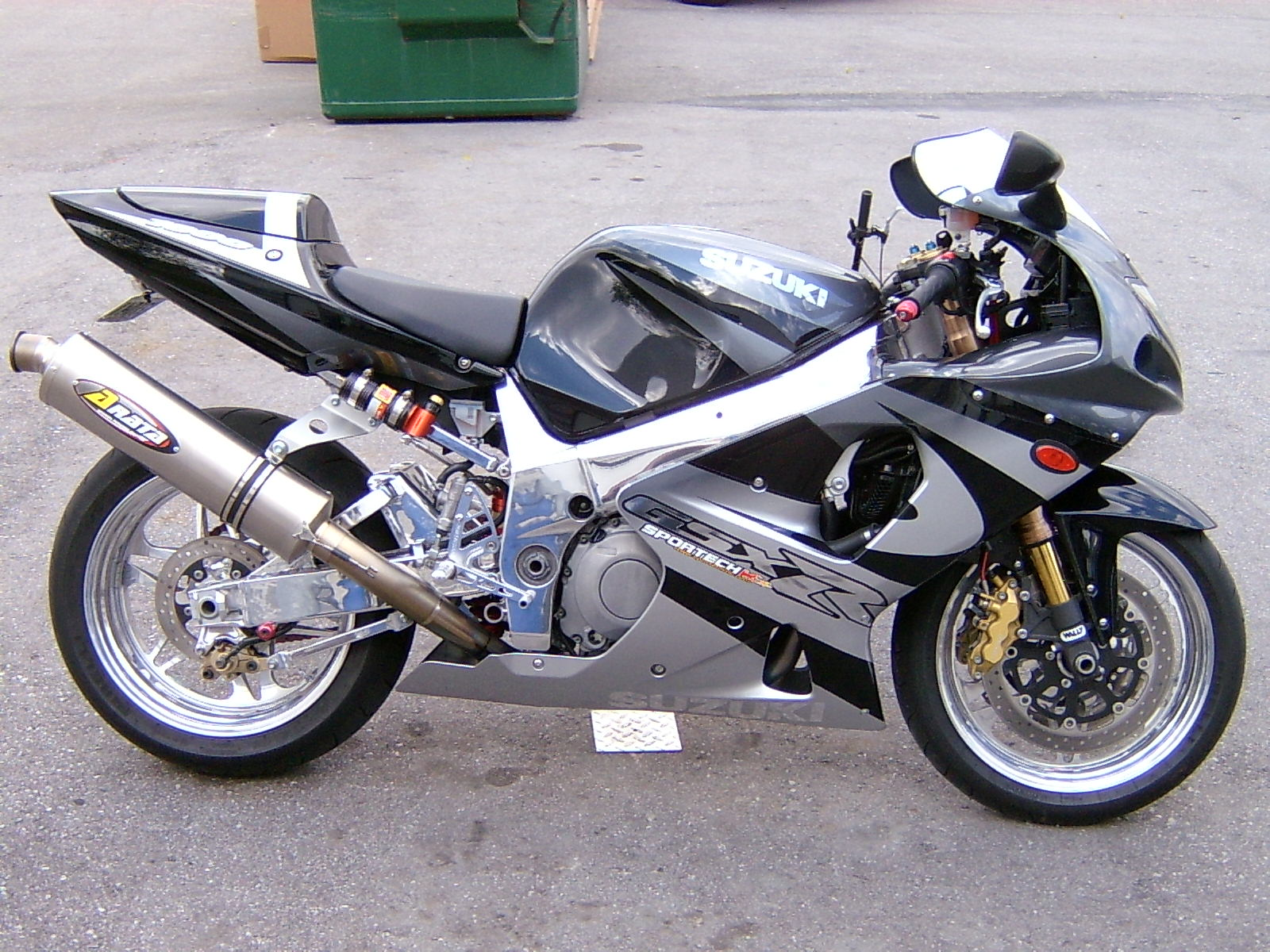 2001 suzuki gsx r 1000 pics specs and information. Black Bedroom Furniture Sets. Home Design Ideas