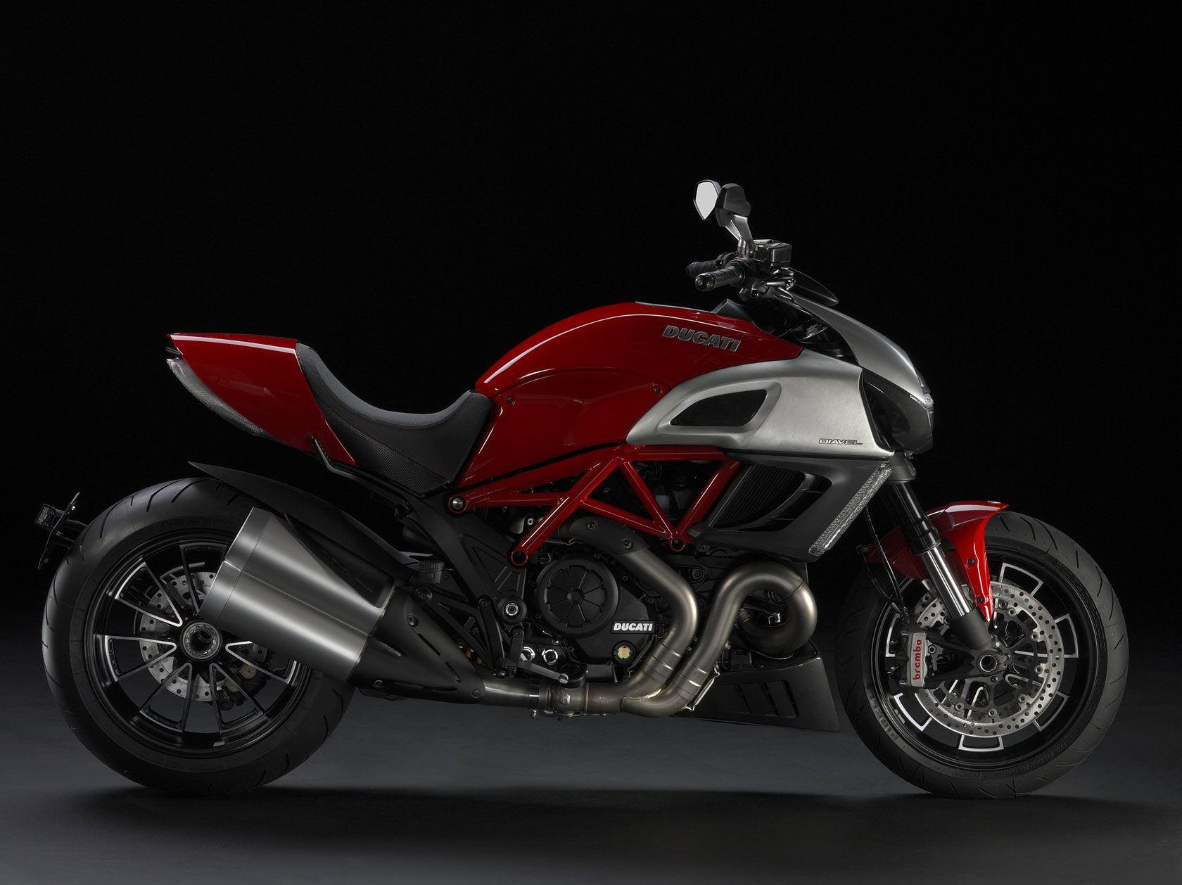 Ducati Diavel 2011 wallpapers #12620