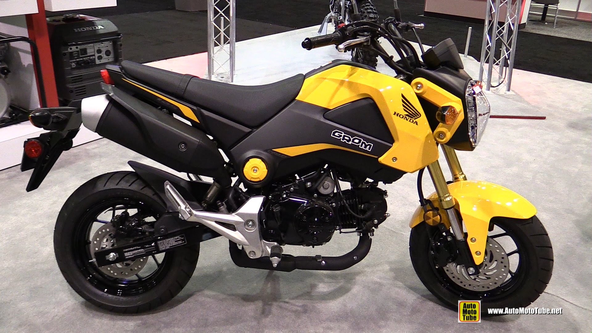 honda grom 125 pics specs and list of seriess by year. Black Bedroom Furniture Sets. Home Design Ideas