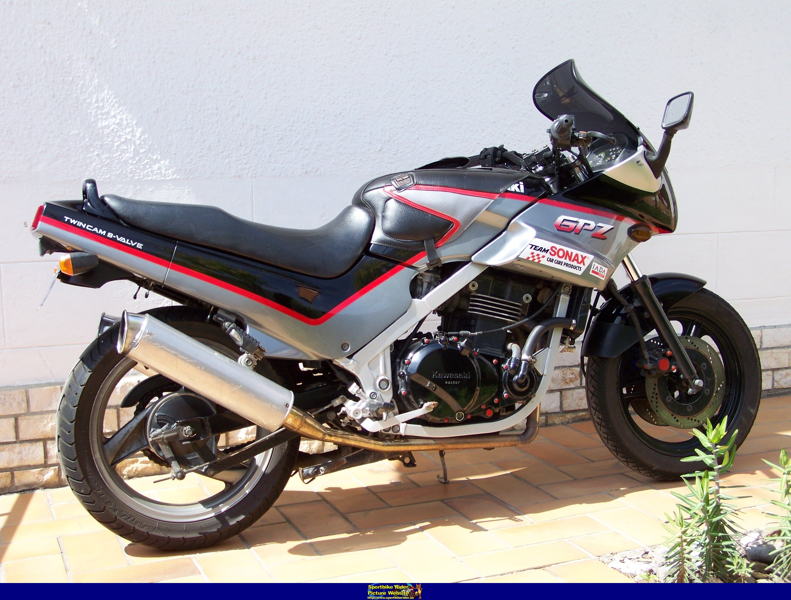 1986 kawasaki gpz 500 pics specs and information. Black Bedroom Furniture Sets. Home Design Ideas