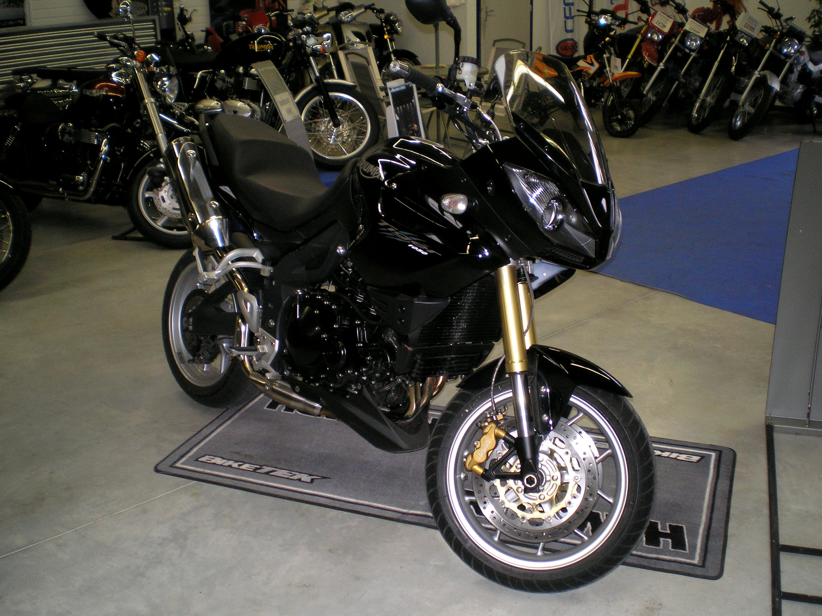 Triumph Tiger 900 2000 wallpapers #145735
