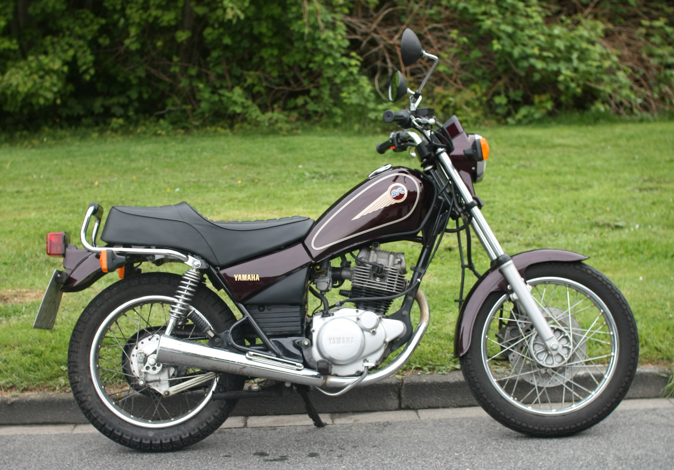 1988 yamaha sr 125 pics specs and information. Black Bedroom Furniture Sets. Home Design Ideas