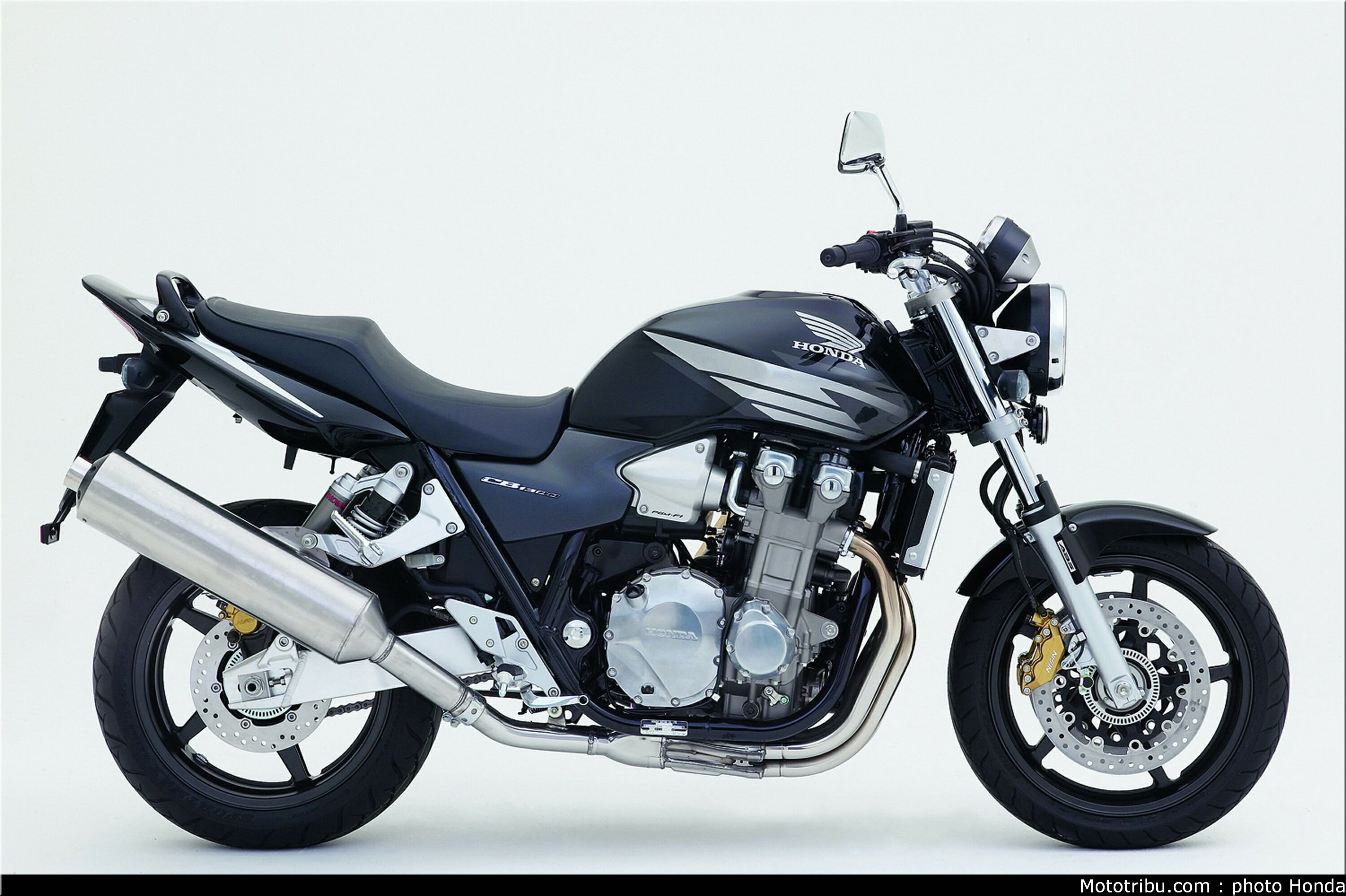 2006 honda cb 1300 pics specs and information. Black Bedroom Furniture Sets. Home Design Ideas