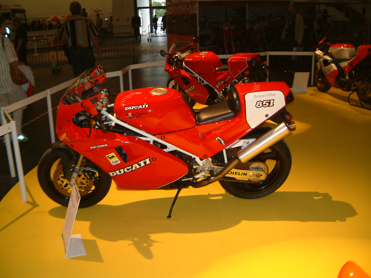 Ducati 851 Strada 1990 wallpapers #10634