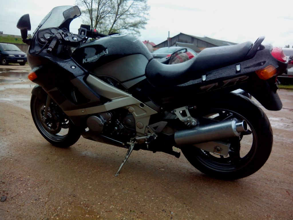 Back Download Kawasaki ZZR 600 Picture 12 Size 1024x768 Next