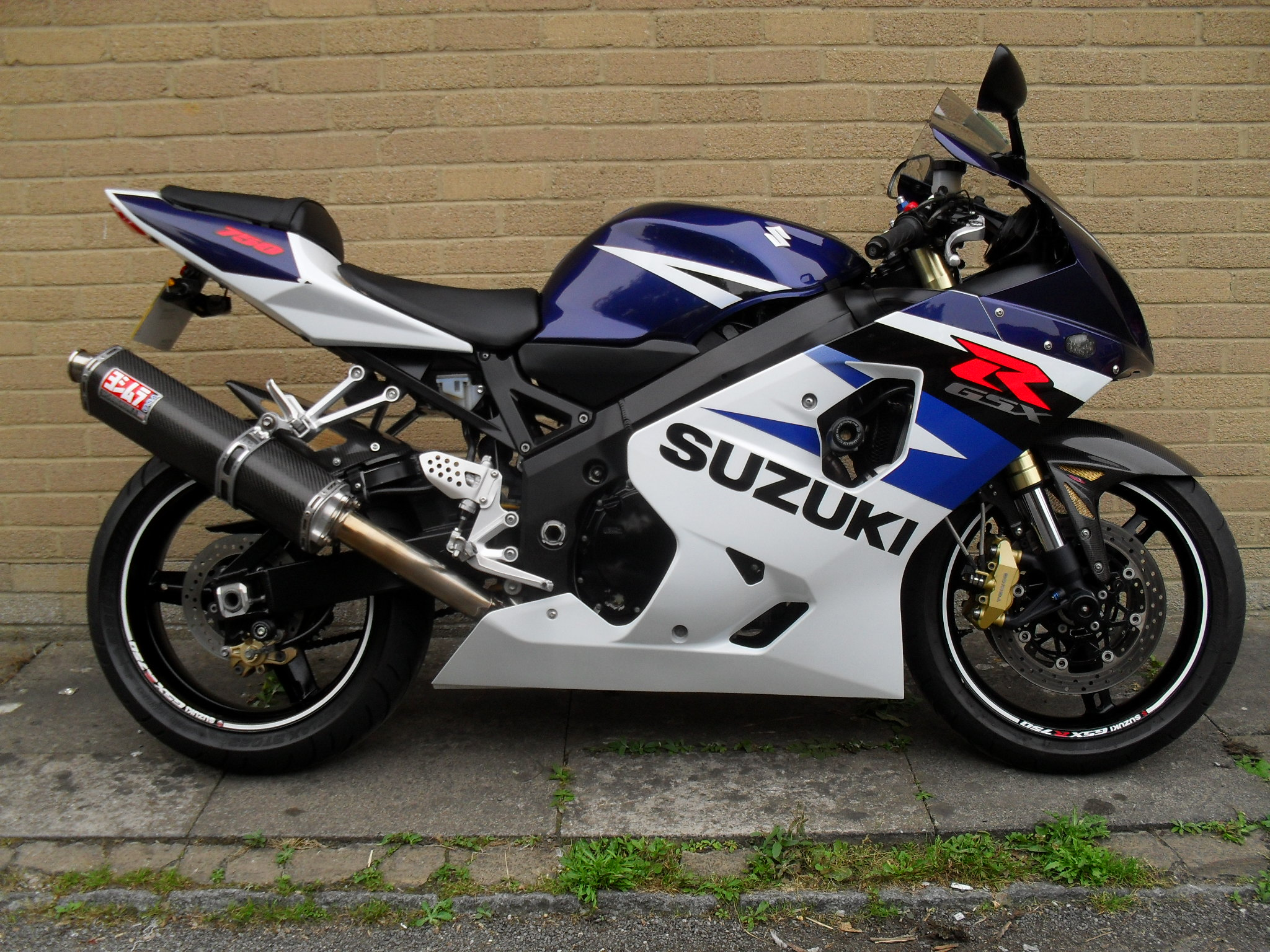 2004 suzuki gsx r 750 pics specs and information. Black Bedroom Furniture Sets. Home Design Ideas