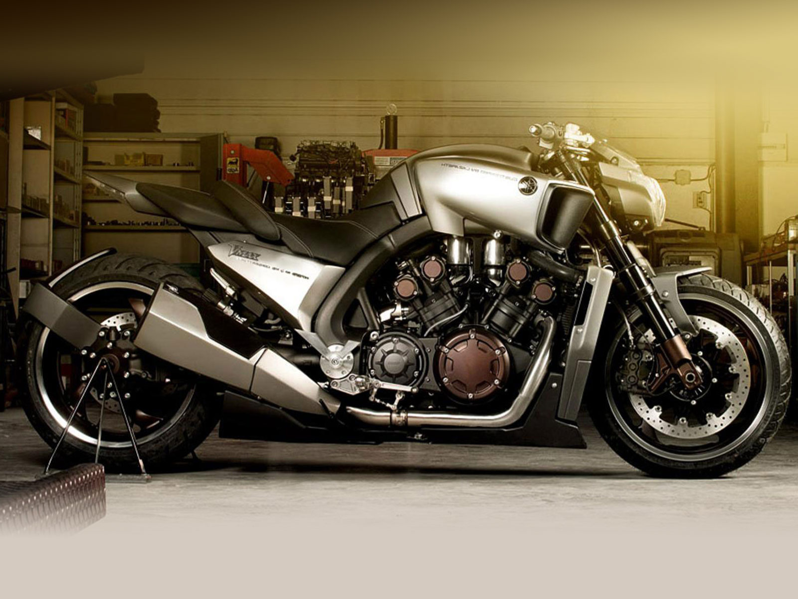 Yamaha VMAX Hyper Modified Roland Sands images #94511
