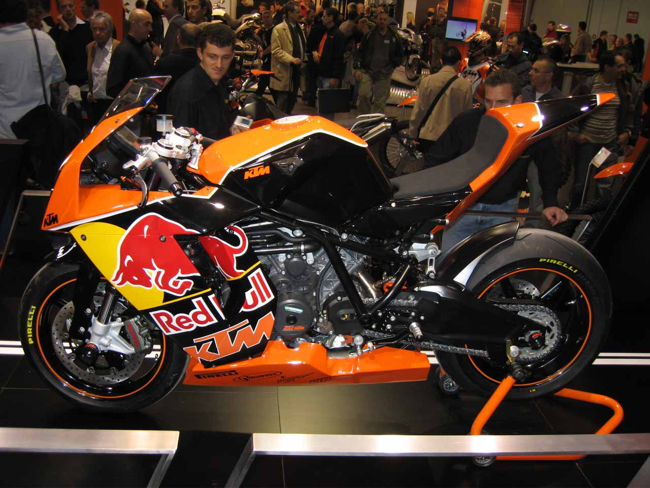 KTM 1190 RC8 R Red Bull Limited Edition 2010 images #86775