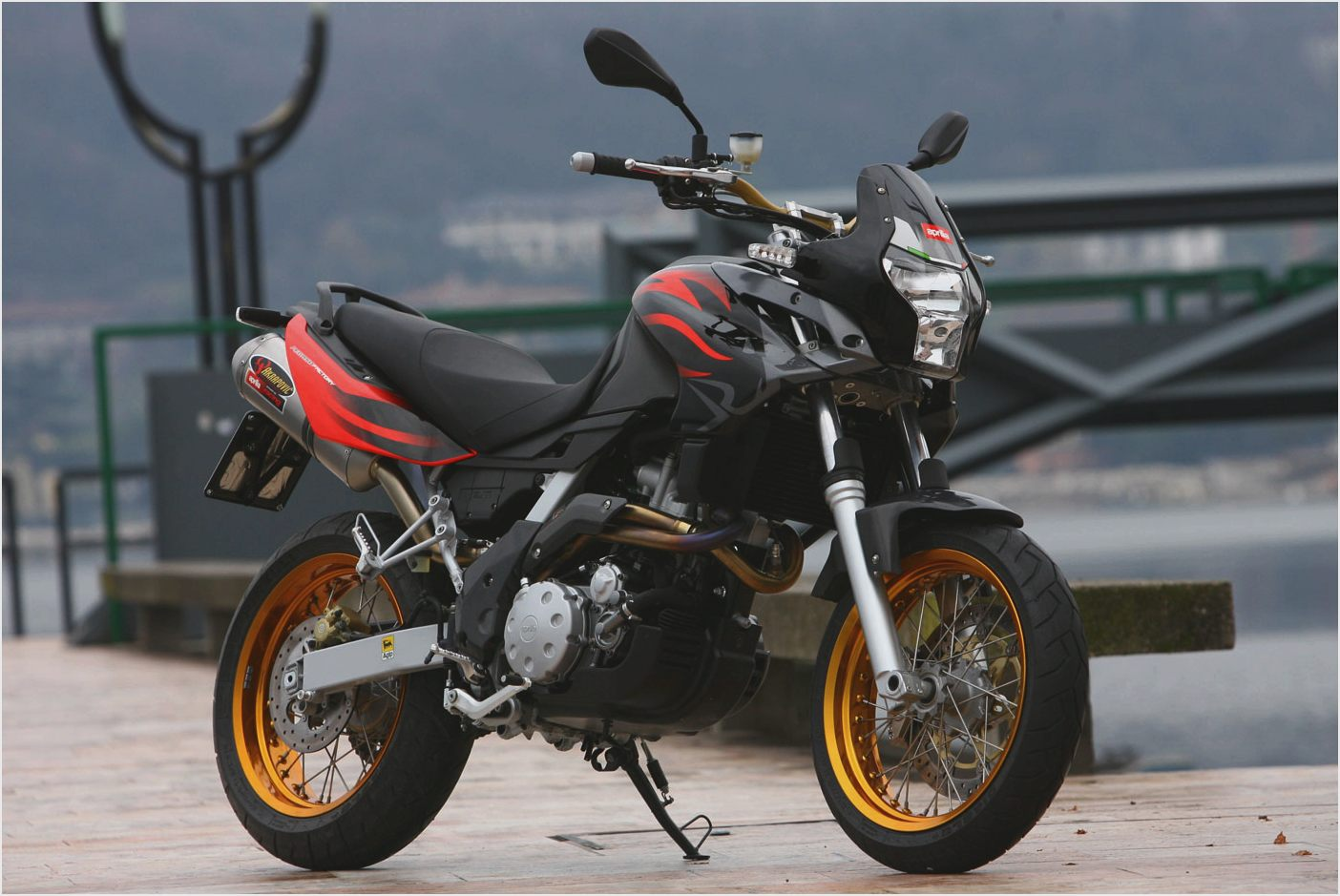 2005 aprilia pegaso 650 pics specs and information. Black Bedroom Furniture Sets. Home Design Ideas