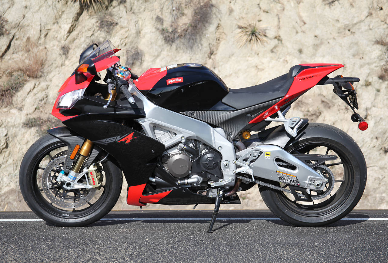 2010 aprilia rsv4 factory pics specs and information. Black Bedroom Furniture Sets. Home Design Ideas