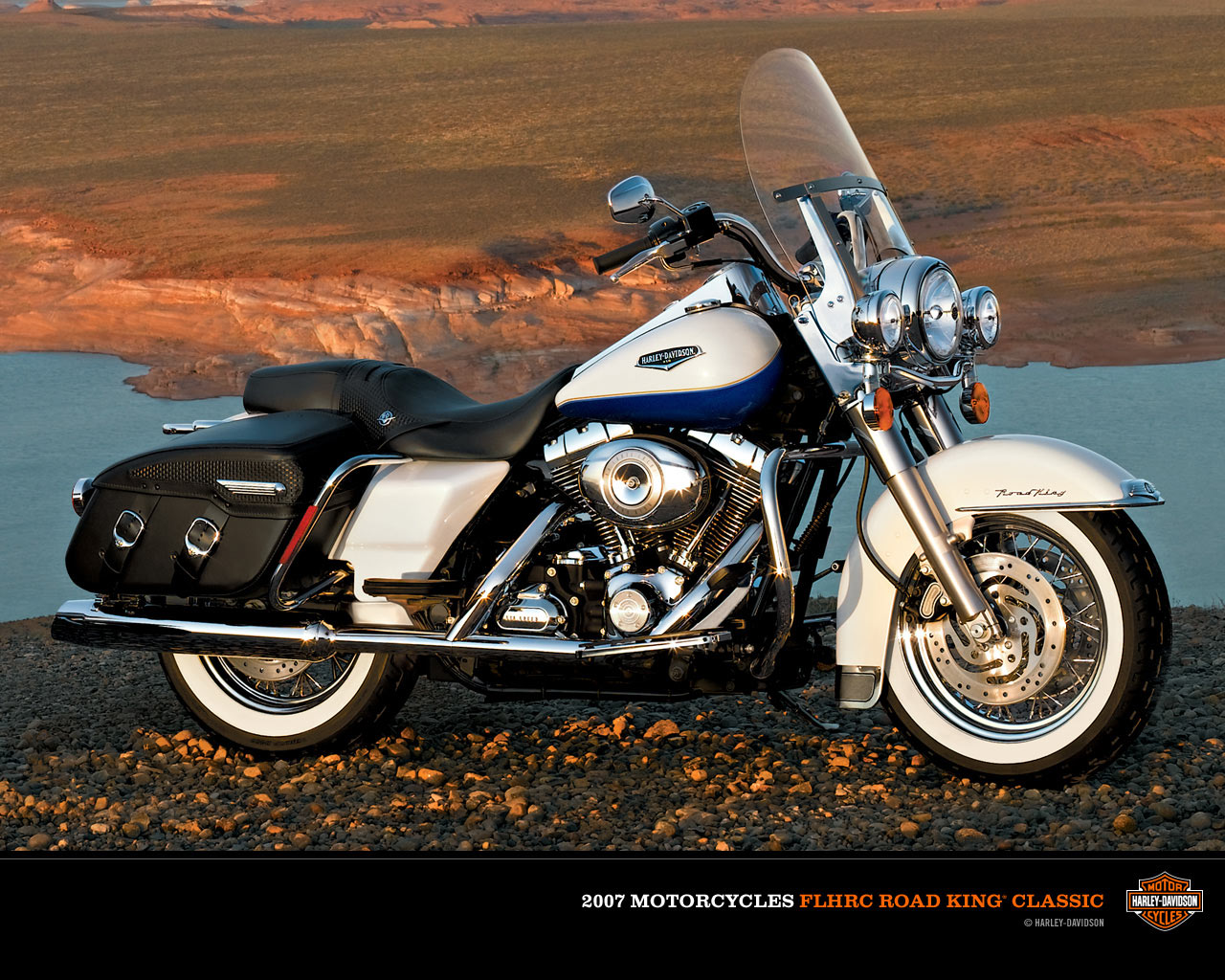 Harley-Davidson FLHRC Road King Classic 2007 pics #115870