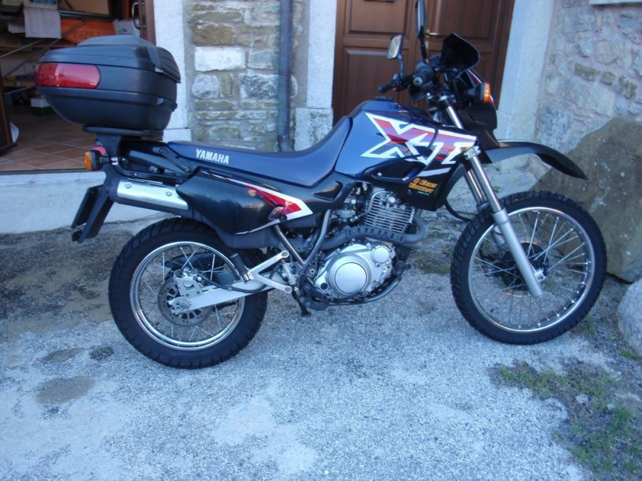 1996 yamaha xt 600 e pics specs and information. Black Bedroom Furniture Sets. Home Design Ideas