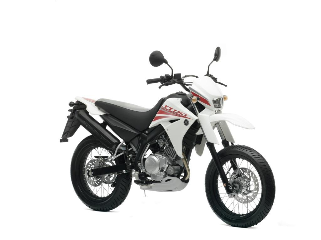 yamaha xt 125 x  pics  specs and list of seriess by year