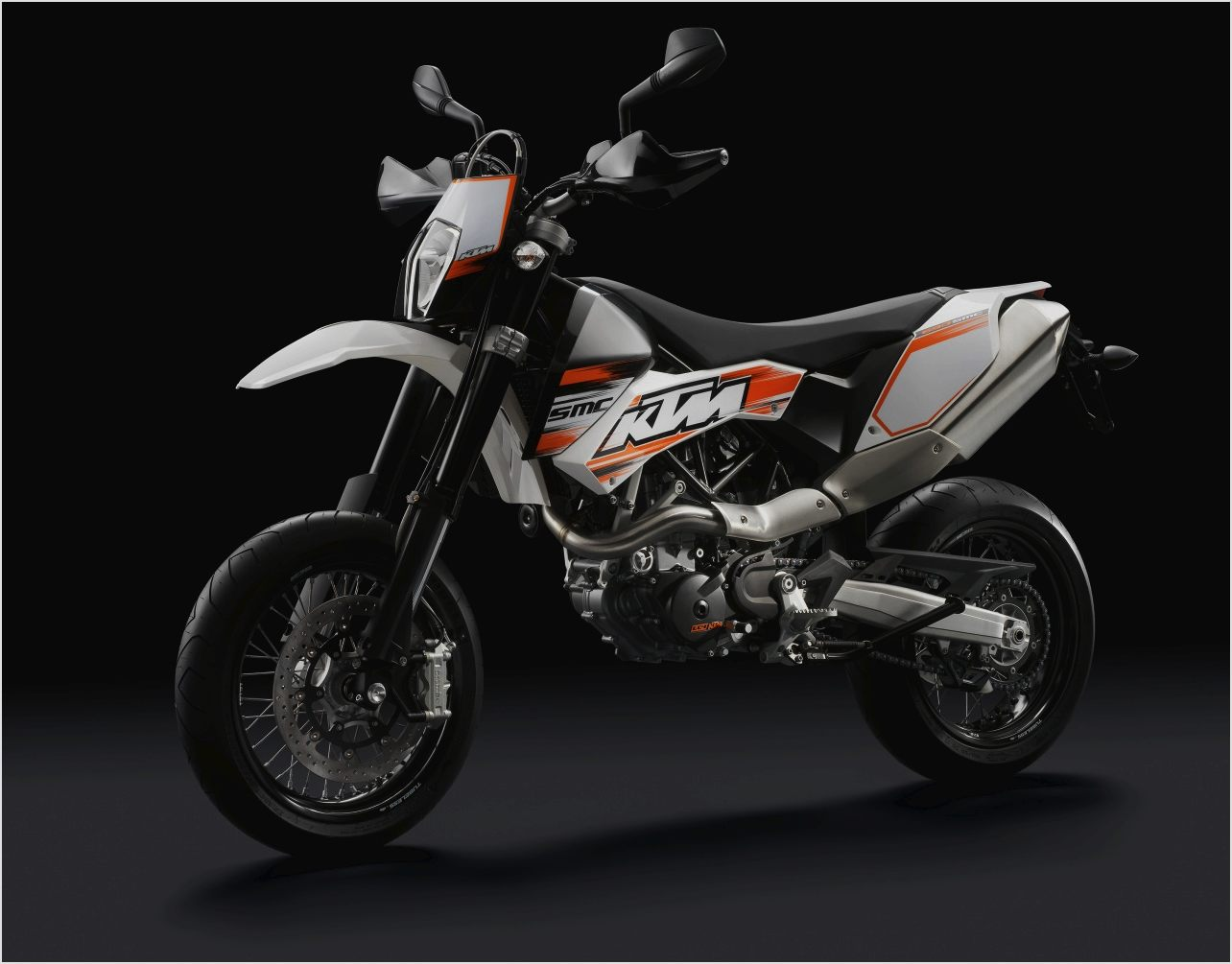ktm 690 smc pics specs and list of seriess by year. Black Bedroom Furniture Sets. Home Design Ideas