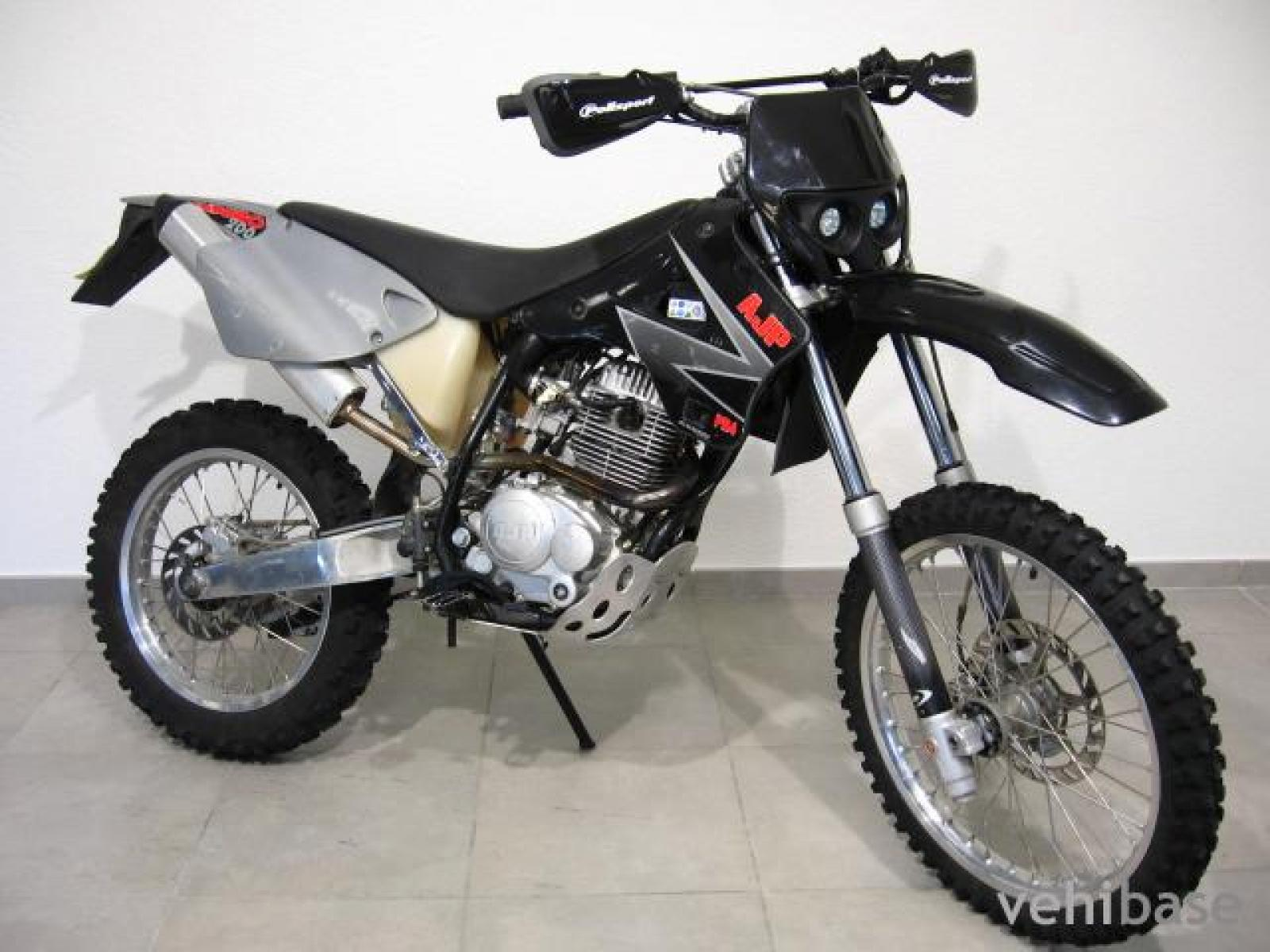AJP PR4 200 Supermoto images #155855