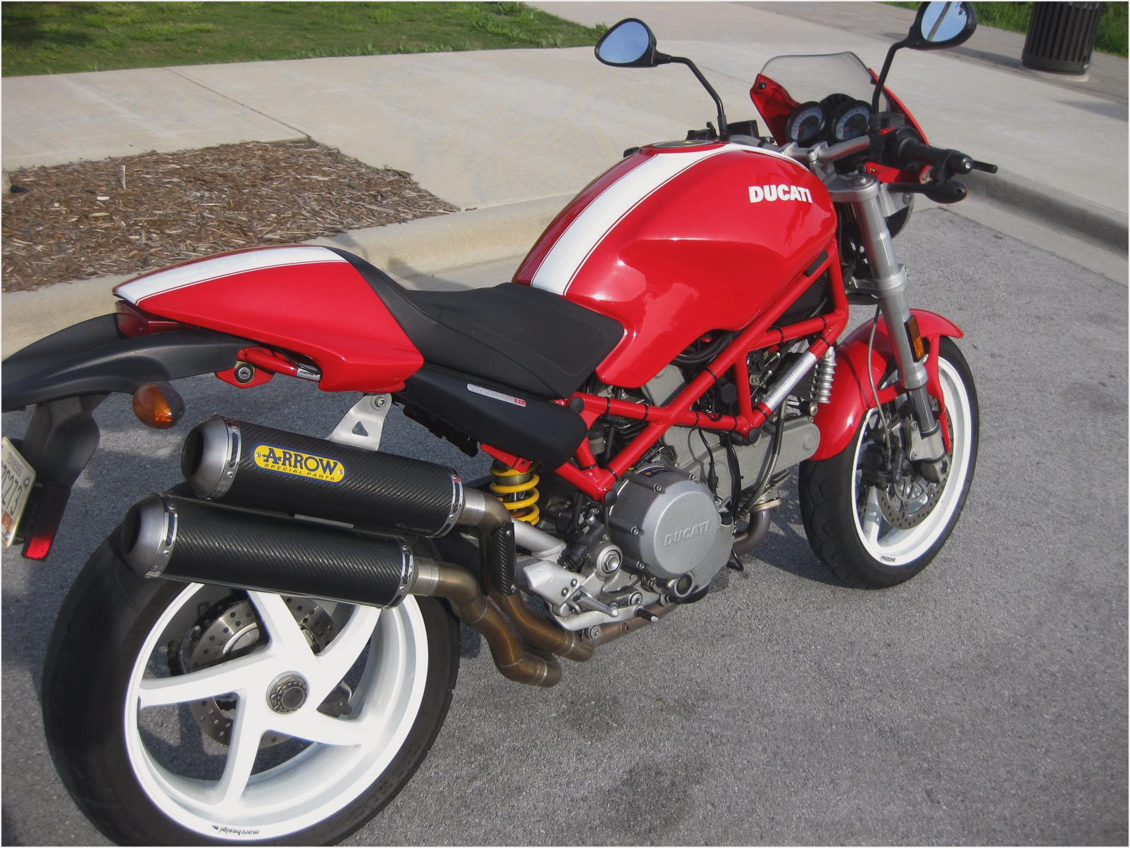 Ducati Monster 800 images #154663