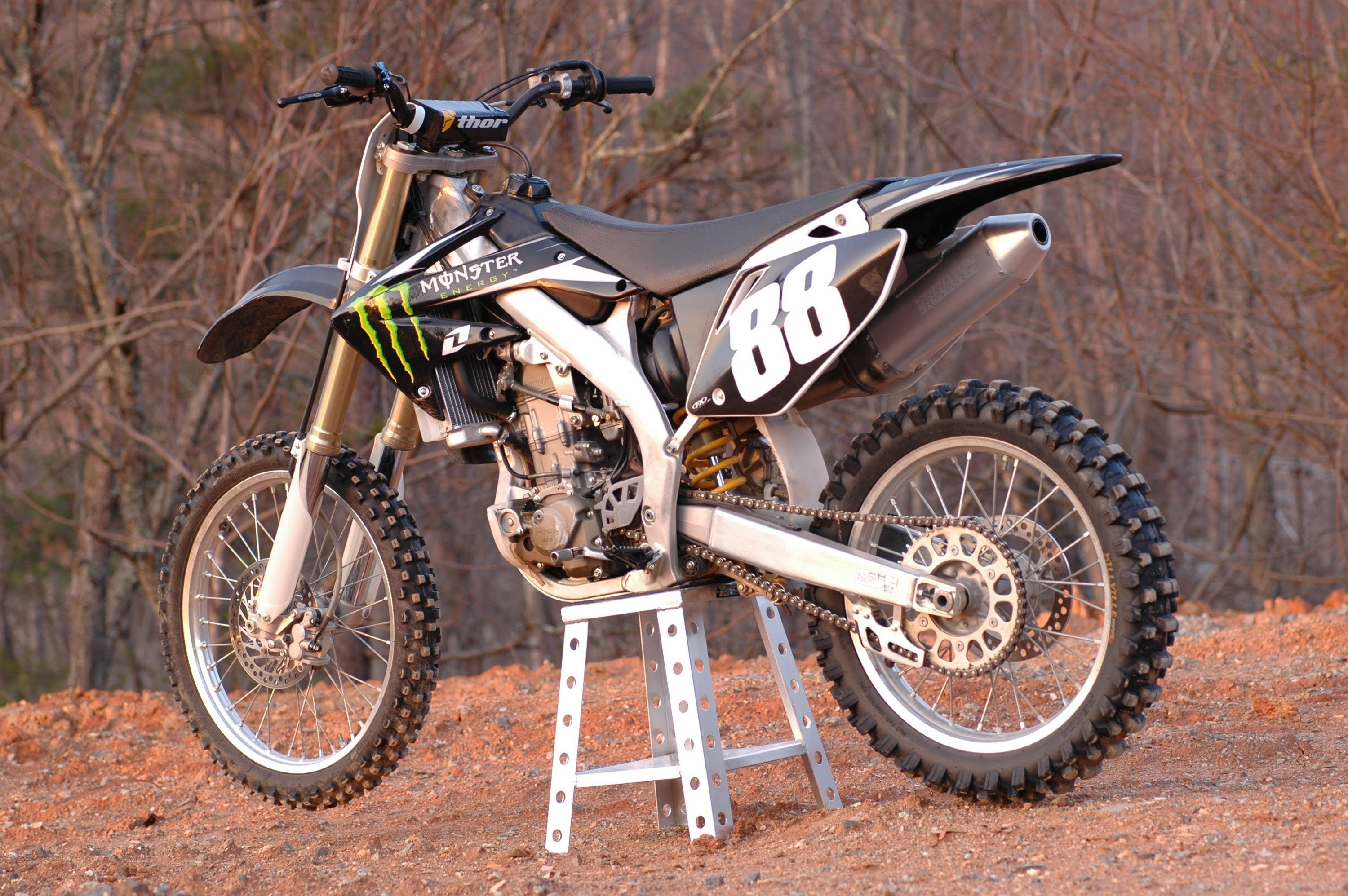 Back Download Honda CRF 450 X picture # 19, size 3000x1995 Next