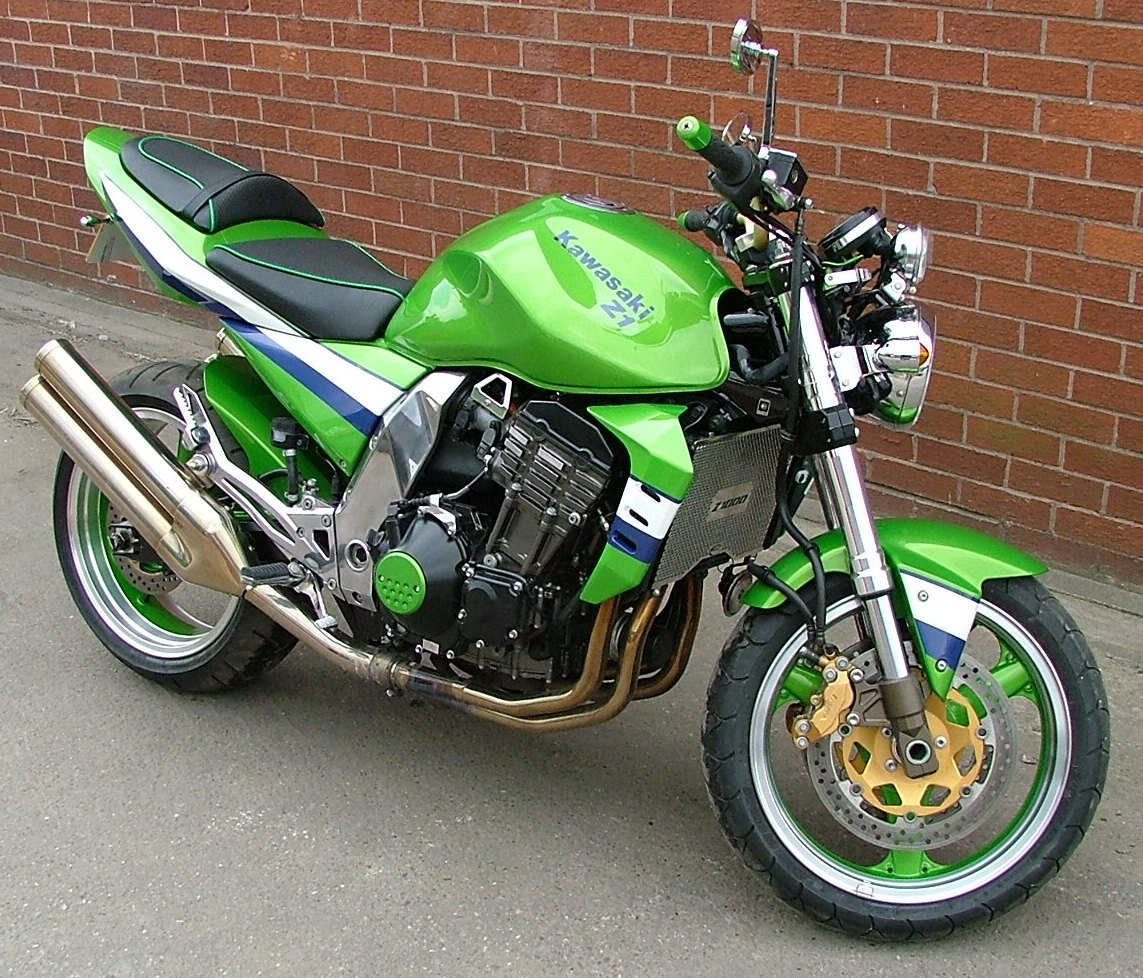 Kawasaki Z 1000 Pics Specs And List Of Seriess By Year