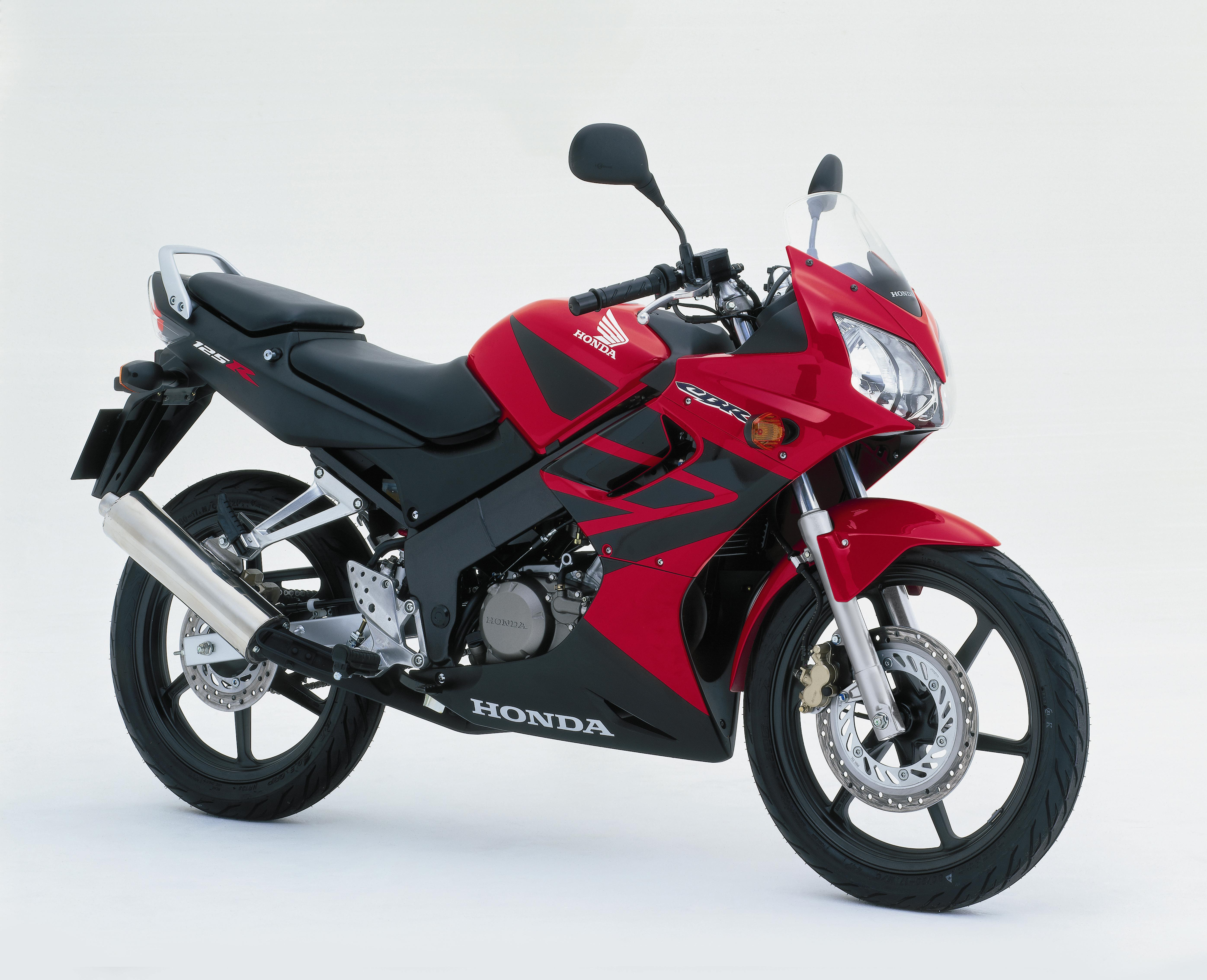 honda cbr 125r pics specs and list of seriess by year. Black Bedroom Furniture Sets. Home Design Ideas