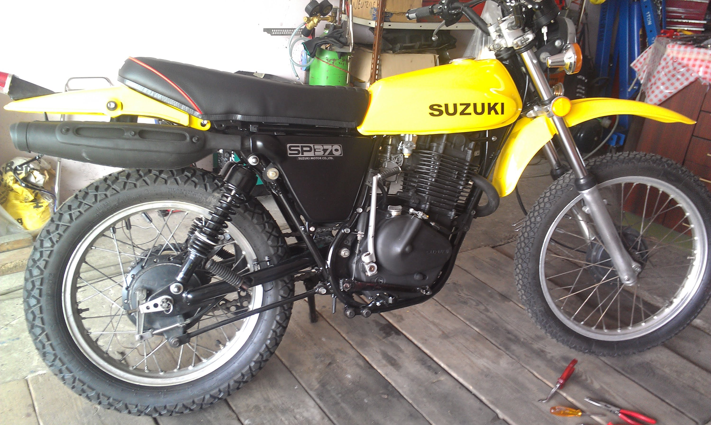 1978 suzuki sp 370 pics specs and information. Black Bedroom Furniture Sets. Home Design Ideas