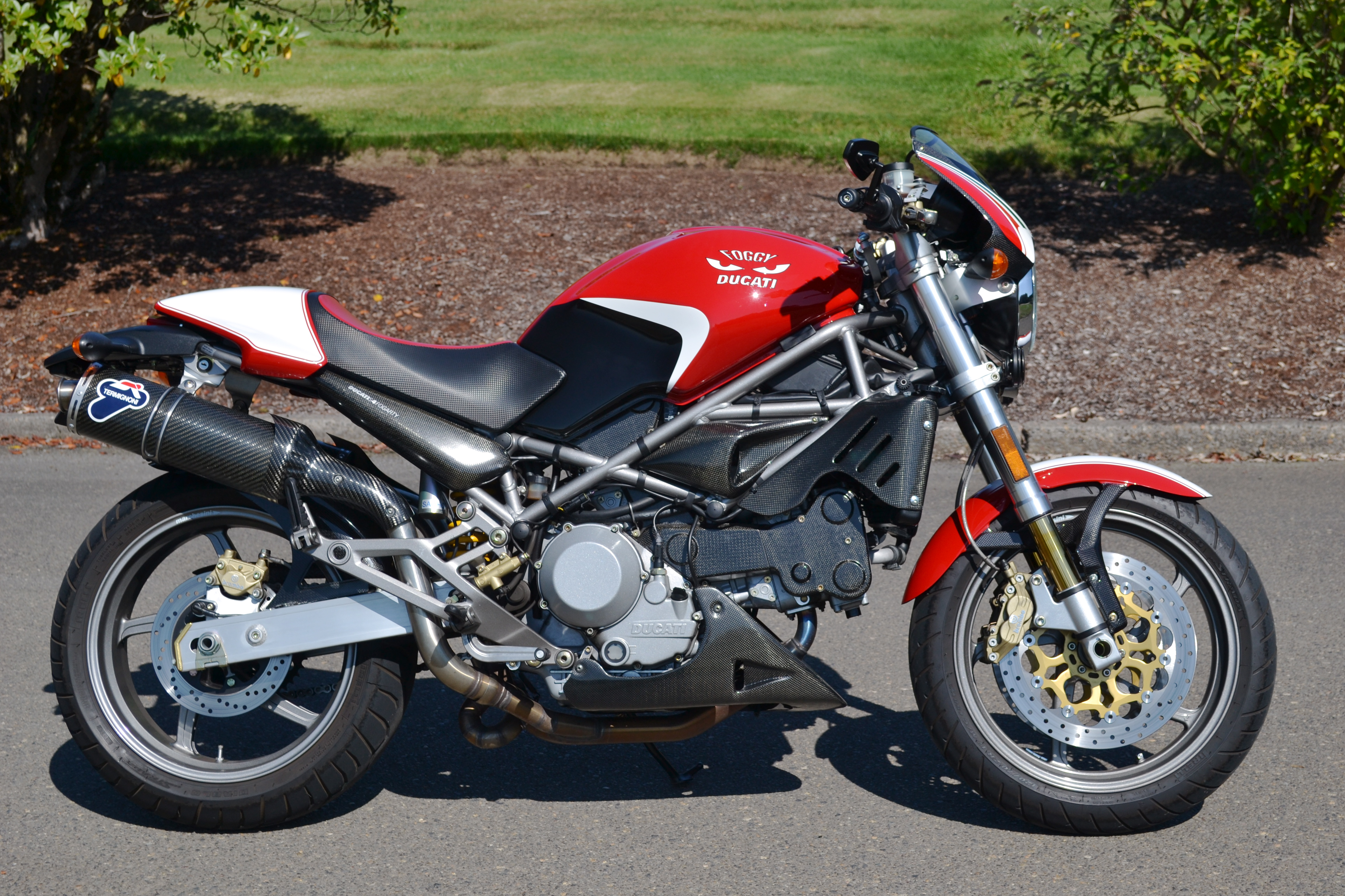 Ducati Monster 750 2002 wallpapers #11935