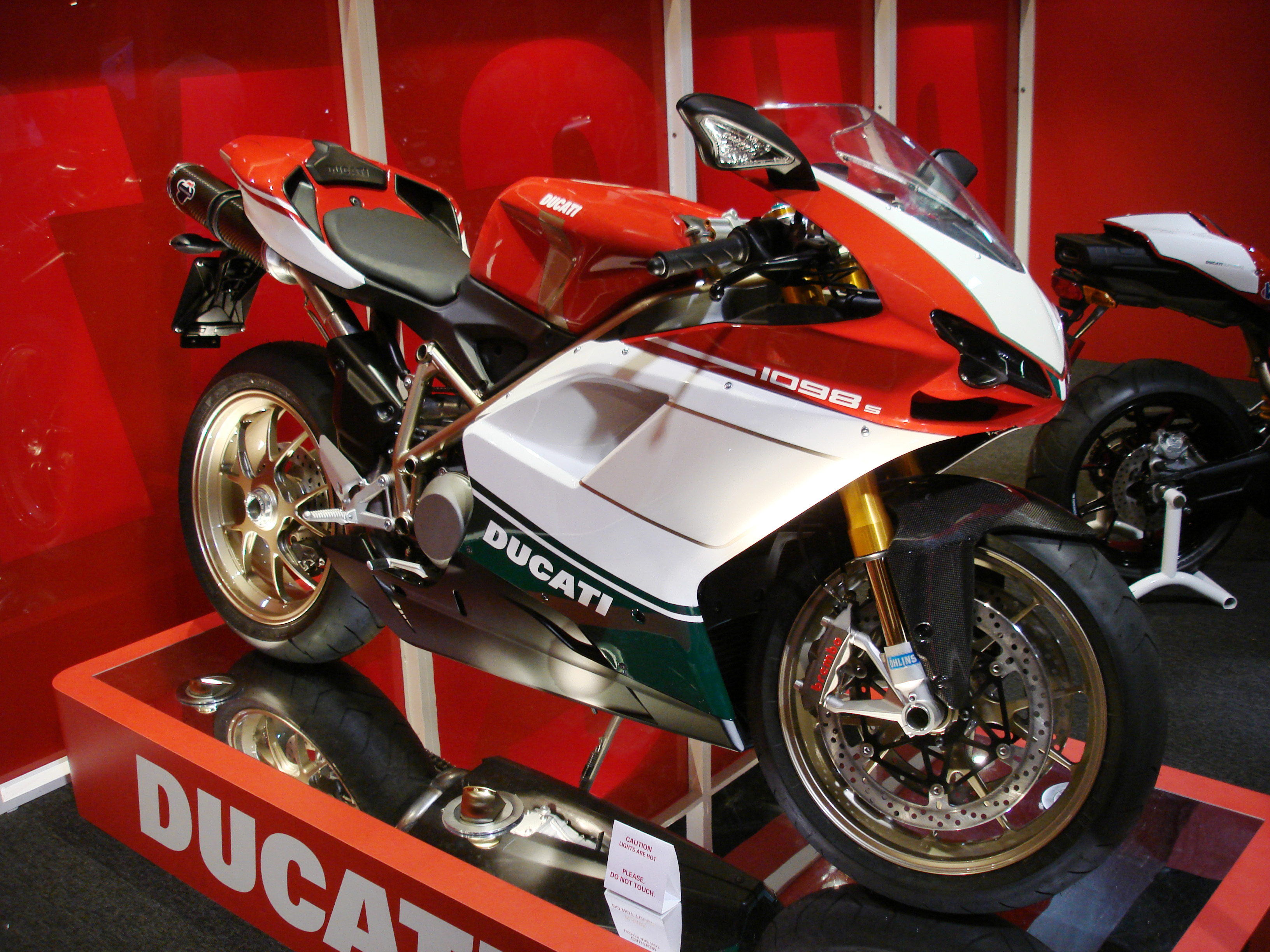 Ducati Superbike 1098 S Tricolore 2007 wallpapers #12034