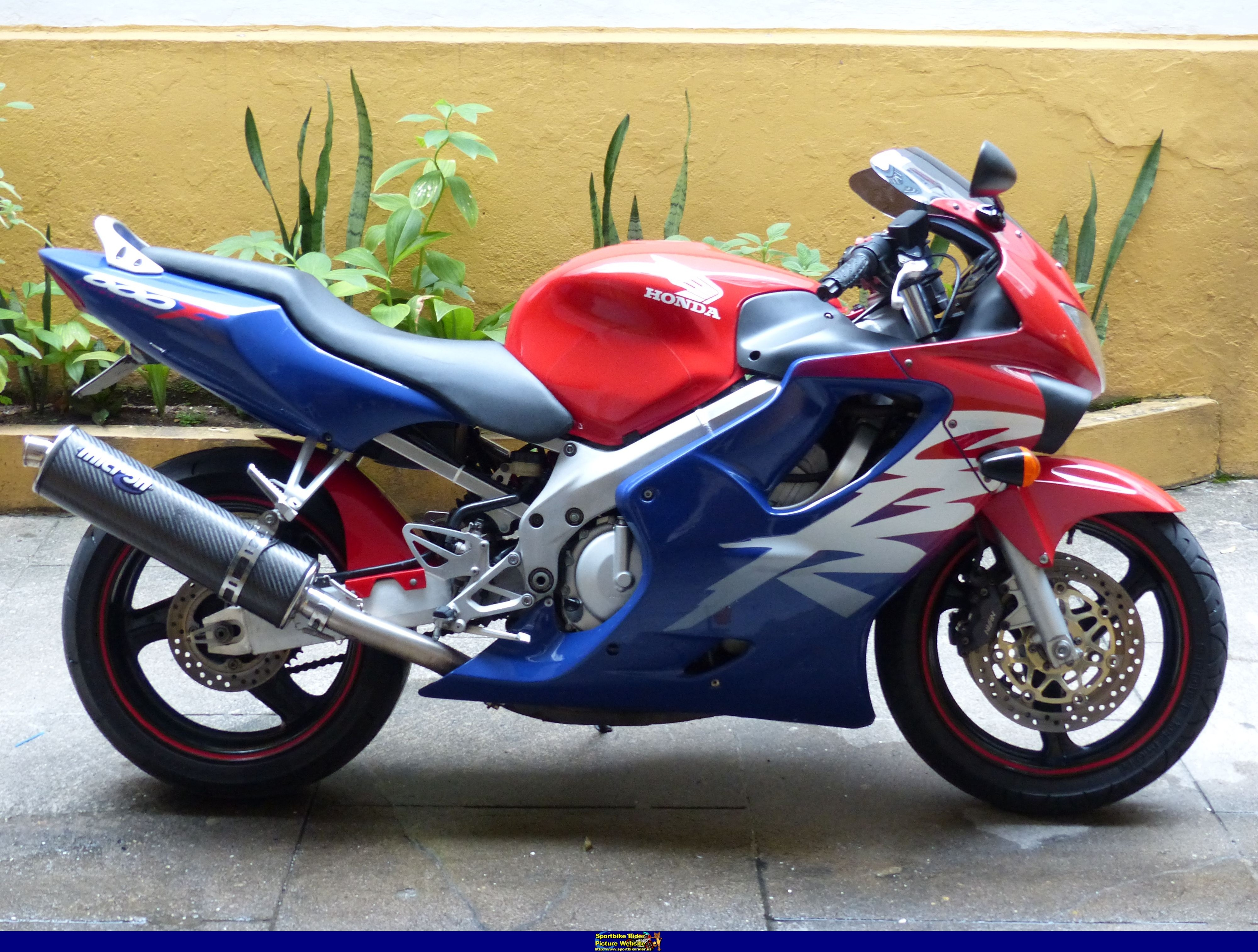 1999 honda cbr 600 f pics specs and information. Black Bedroom Furniture Sets. Home Design Ideas