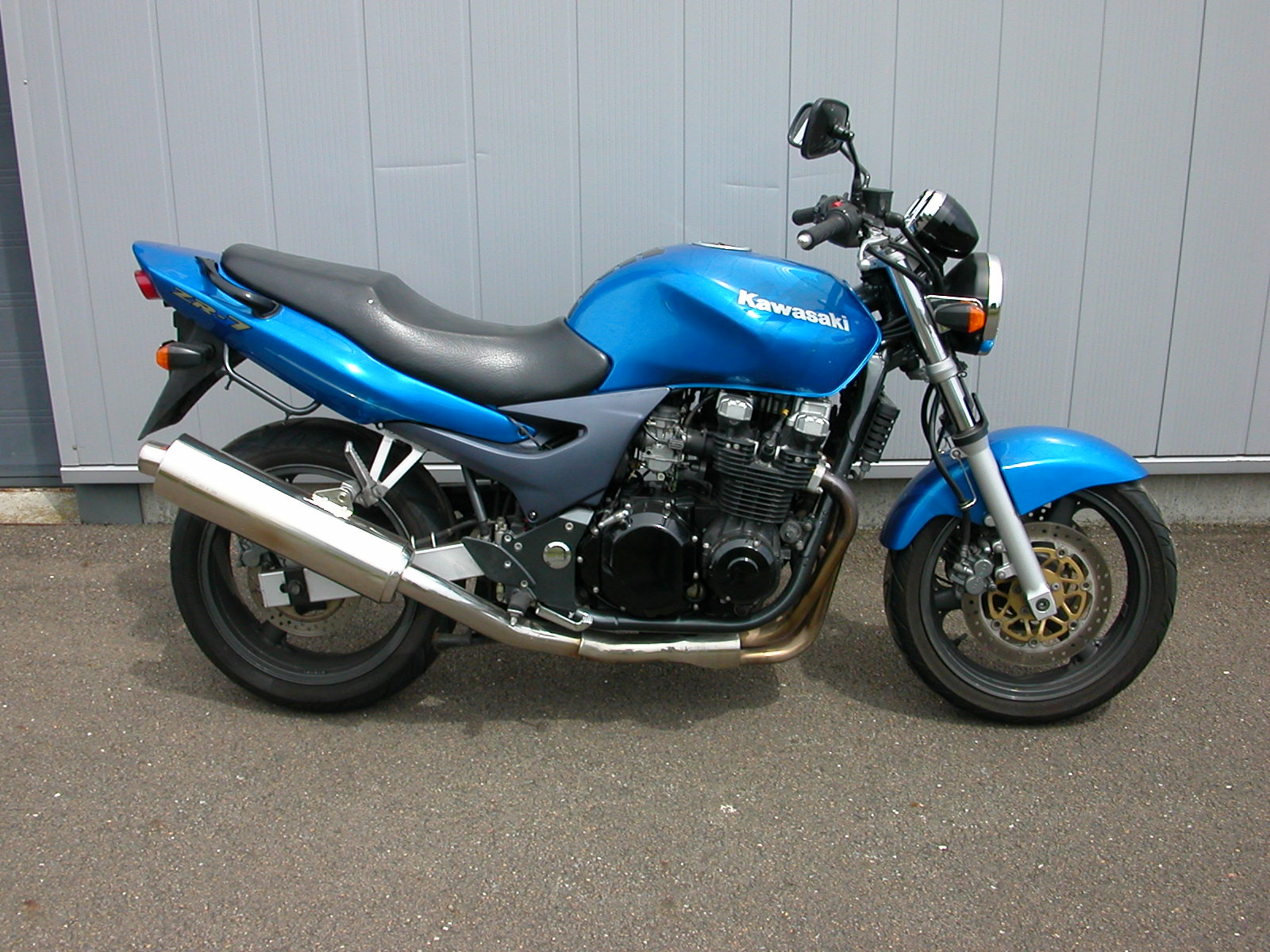2002 kawasaki zr 7 pics specs and information. Black Bedroom Furniture Sets. Home Design Ideas