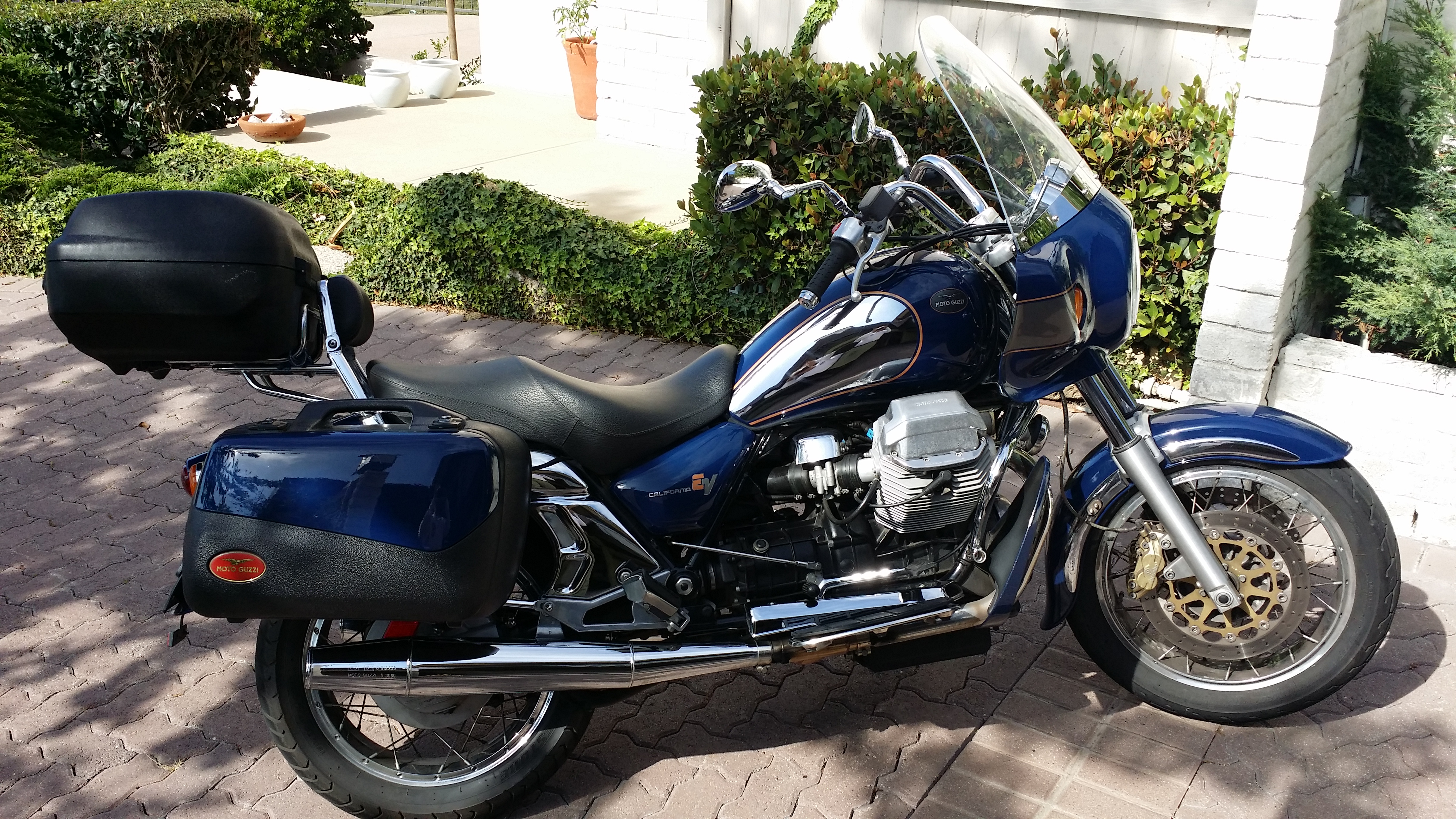 Moto Guzzi California EV Touring 2004 images #146639