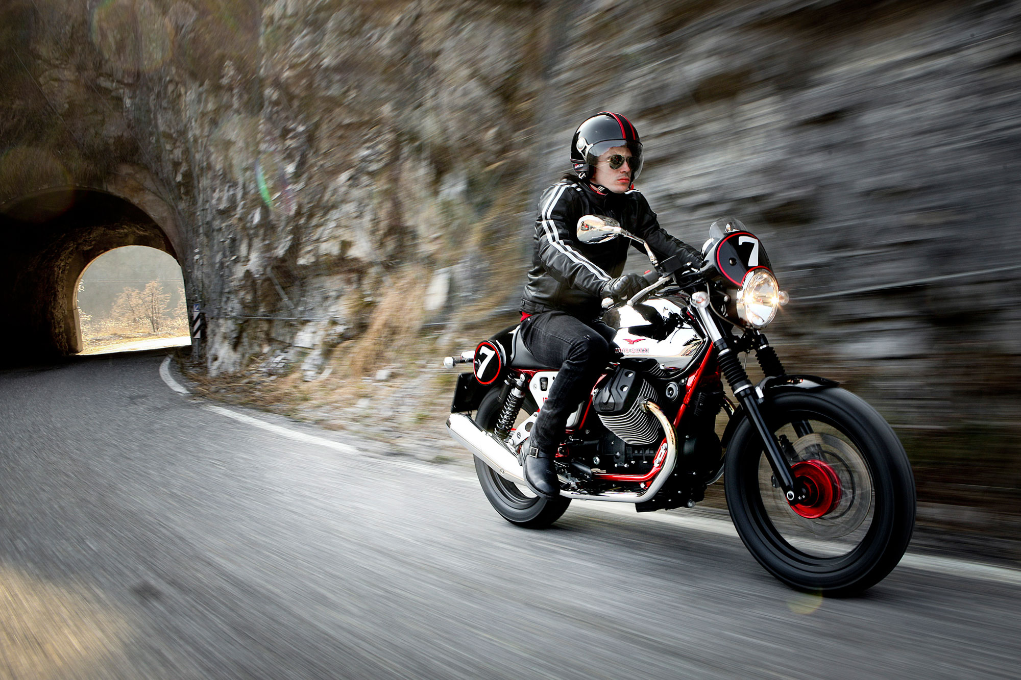 Moto Guzzi V7 Racer 2013 wallpapers #139597