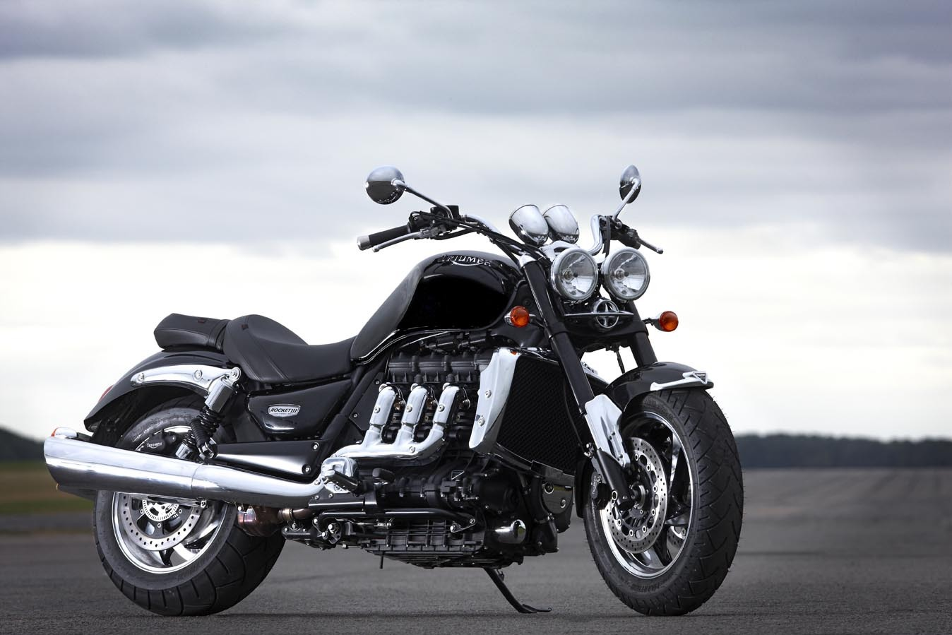 Triumph Rocket III Roadster 2011 images #126342